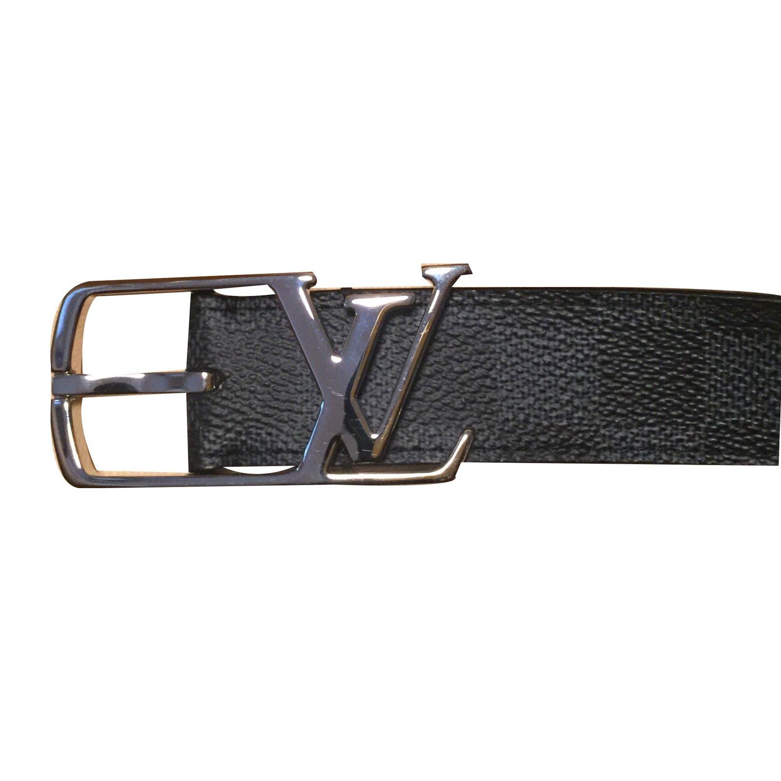 Ceintures homme Louis Vuitton Ceinture Cuir Noir ref.49650 - Joli Closet 4c0e8fd1788