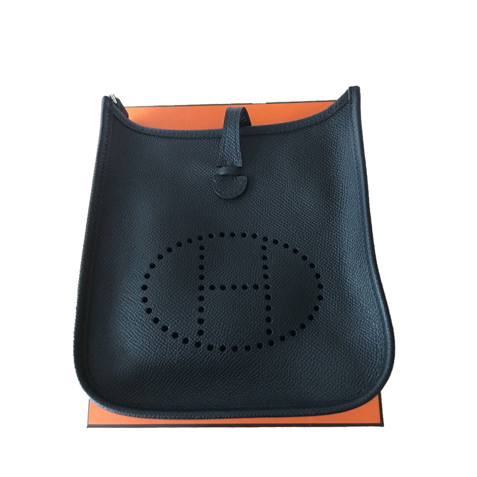 d84f4238535d ... authentic hermèsevelyneiiigmbag.png hermès evelyne handbags leather  black ref.50725 73682 11d54 ...