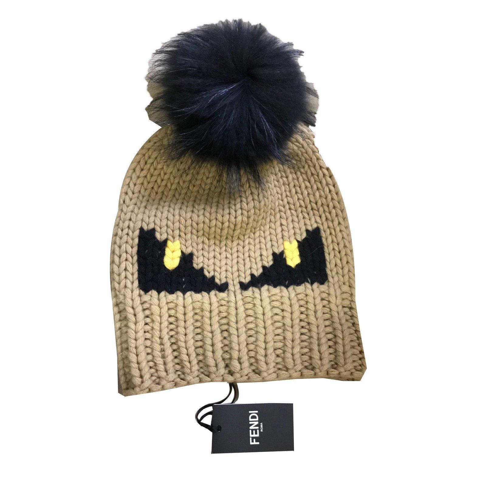 8db30b5aa44 Fendi Hats Hats Wool Beige ref.51023 - Joli Closet