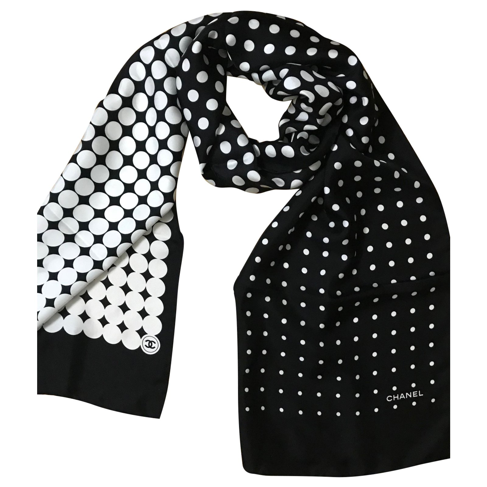 565c6e41 Chanel Scarves Scarves Silk Black ref.51286 - Joli Closet