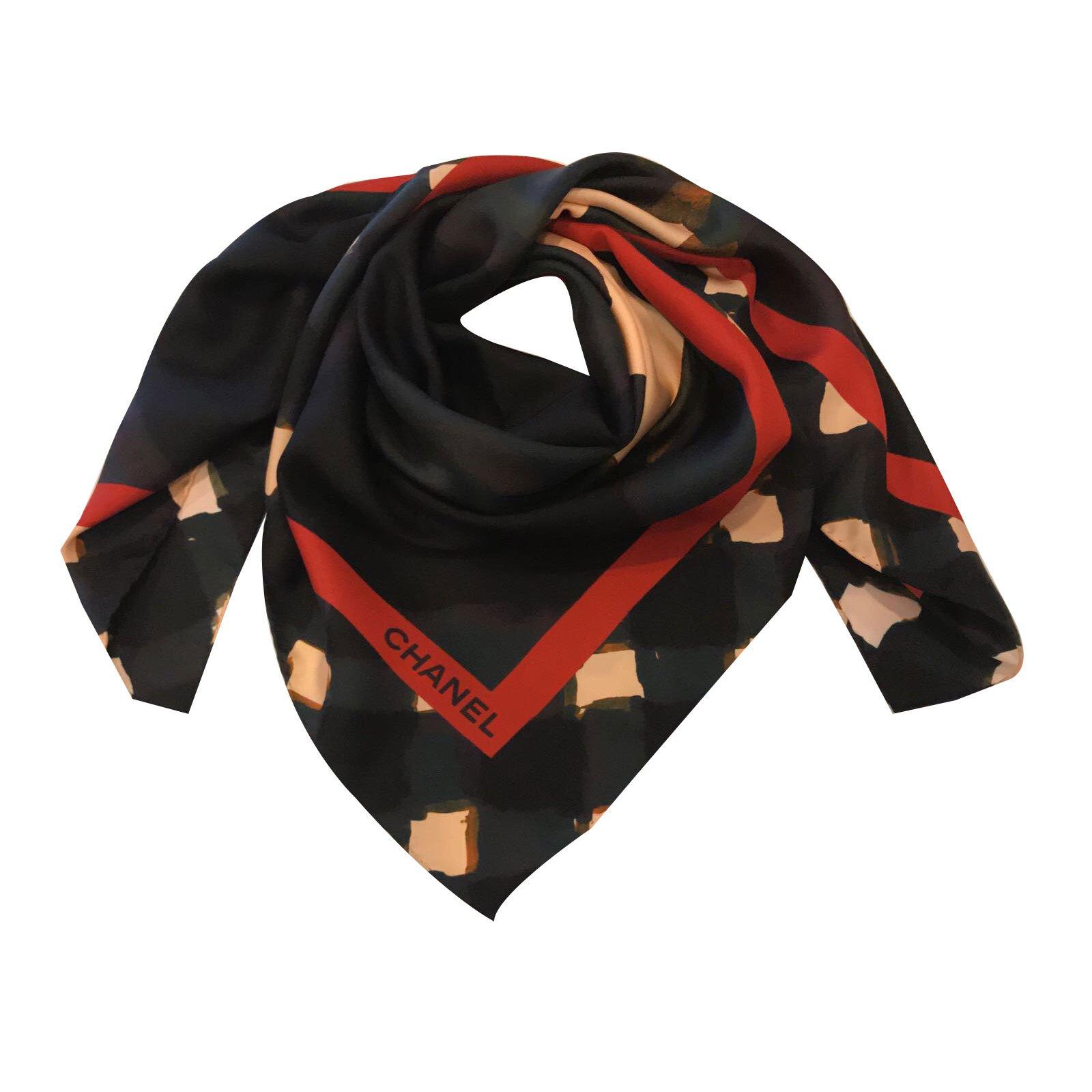 Foulards Chanel Foulard soie Chanel Soie Noir ref.51753 - Joli Closet 3f9484116a9
