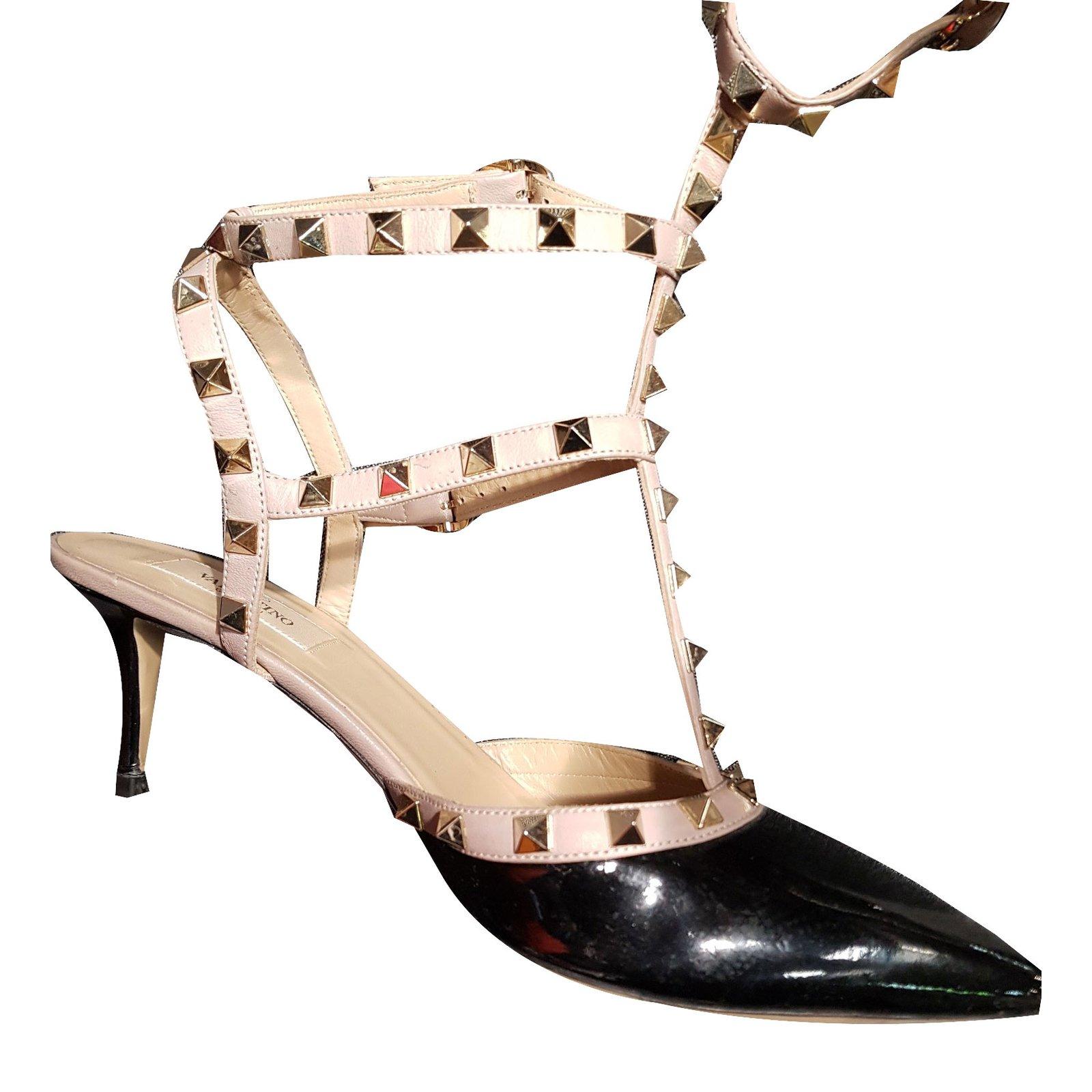 f5a54a0b095 Valentino Rockstud Heels Patent leather Black ref.51807 - Joli Closet