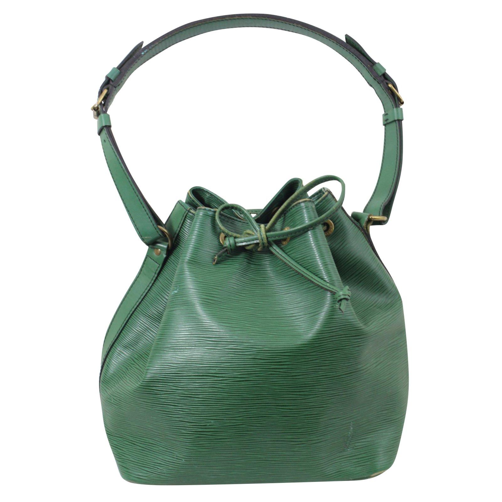 b4eec7e521bf Sacs à main Louis Vuitton Noe Epi Cuir Vert ref.51948 - Joli Closet