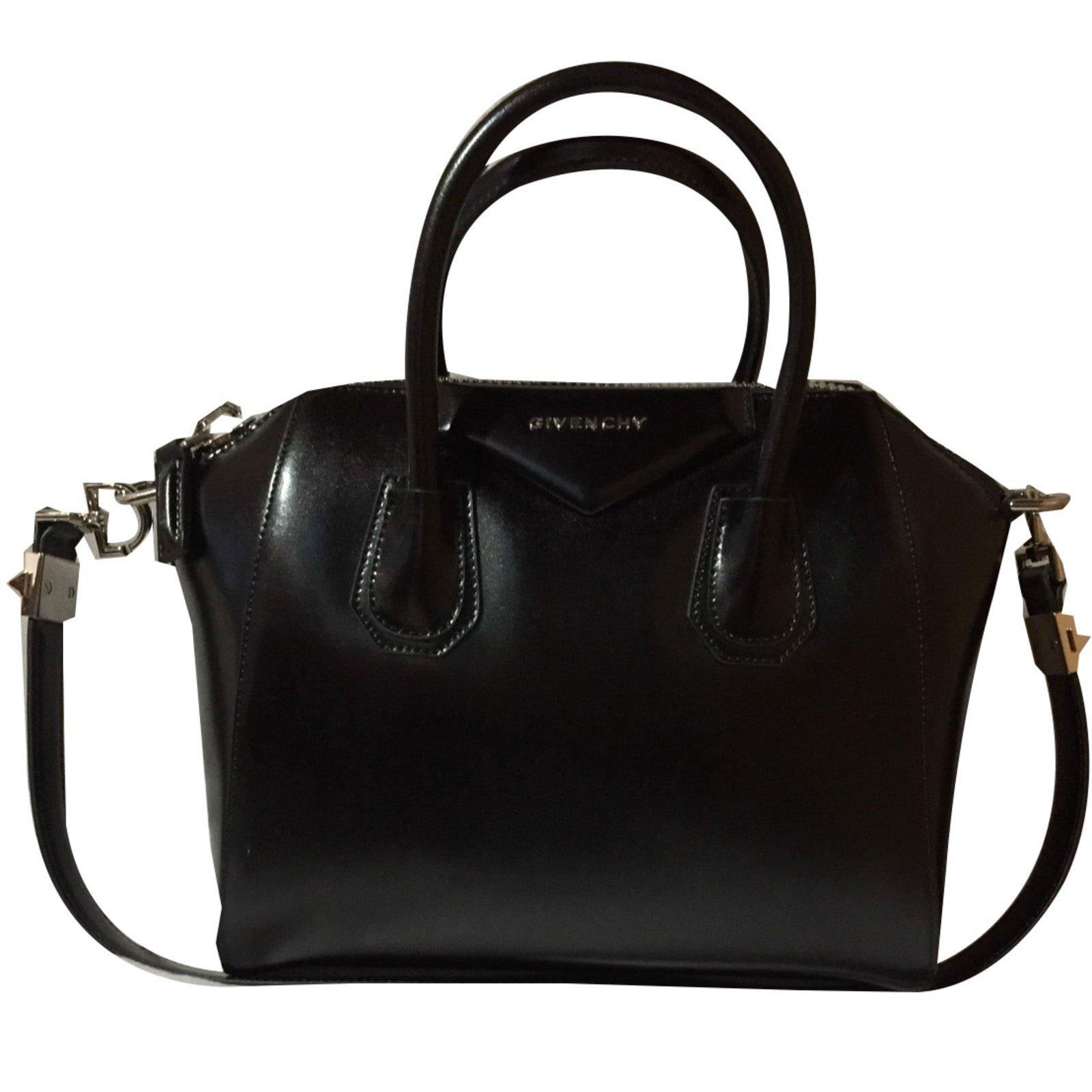 ec0e51c87456 Givenchy antigona small Handbags Leather Black ref.51977 - Joli Closet