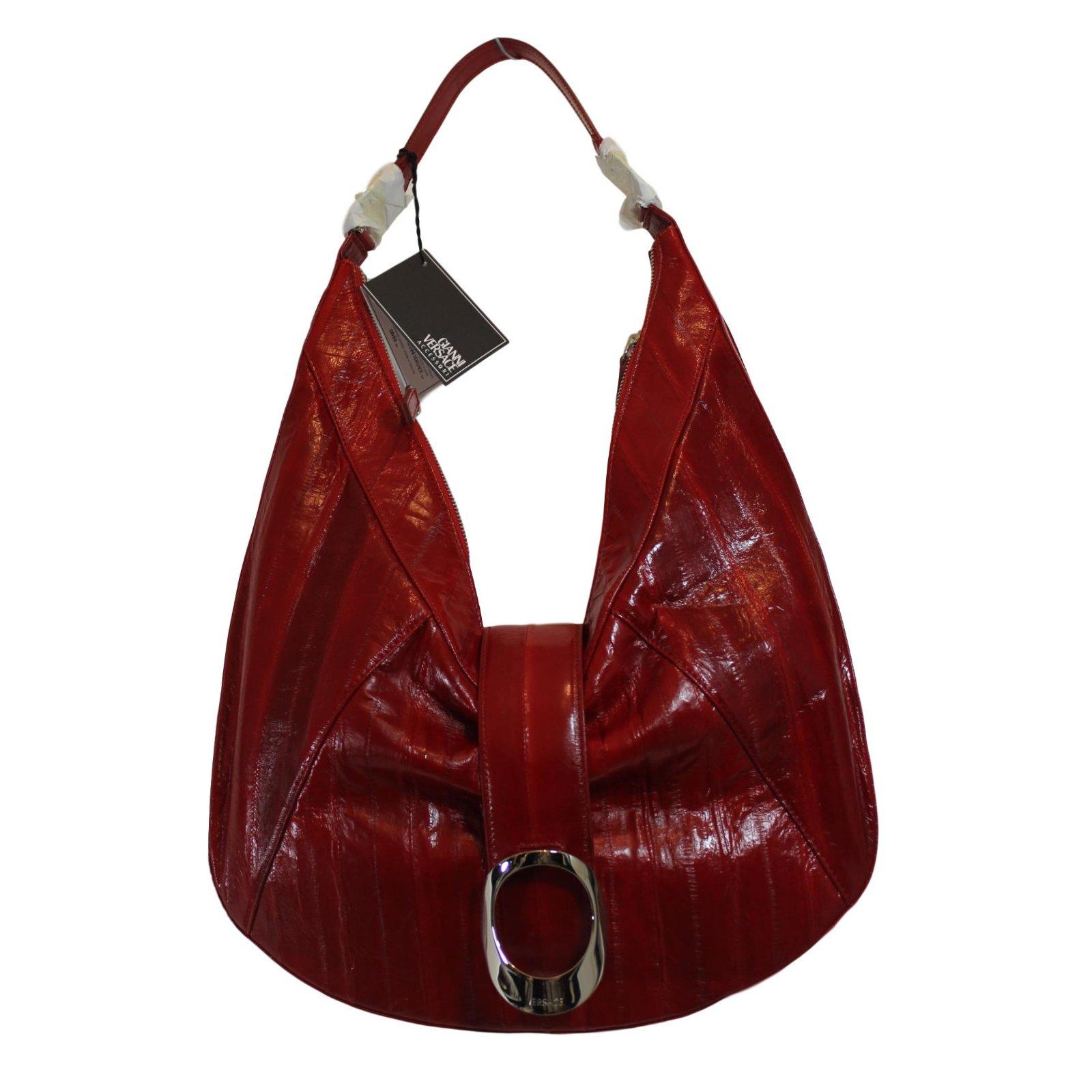 af3e9cd7d3 Gianni Versace Handbag Handbags Other Red ref.52365 - Joli Closet