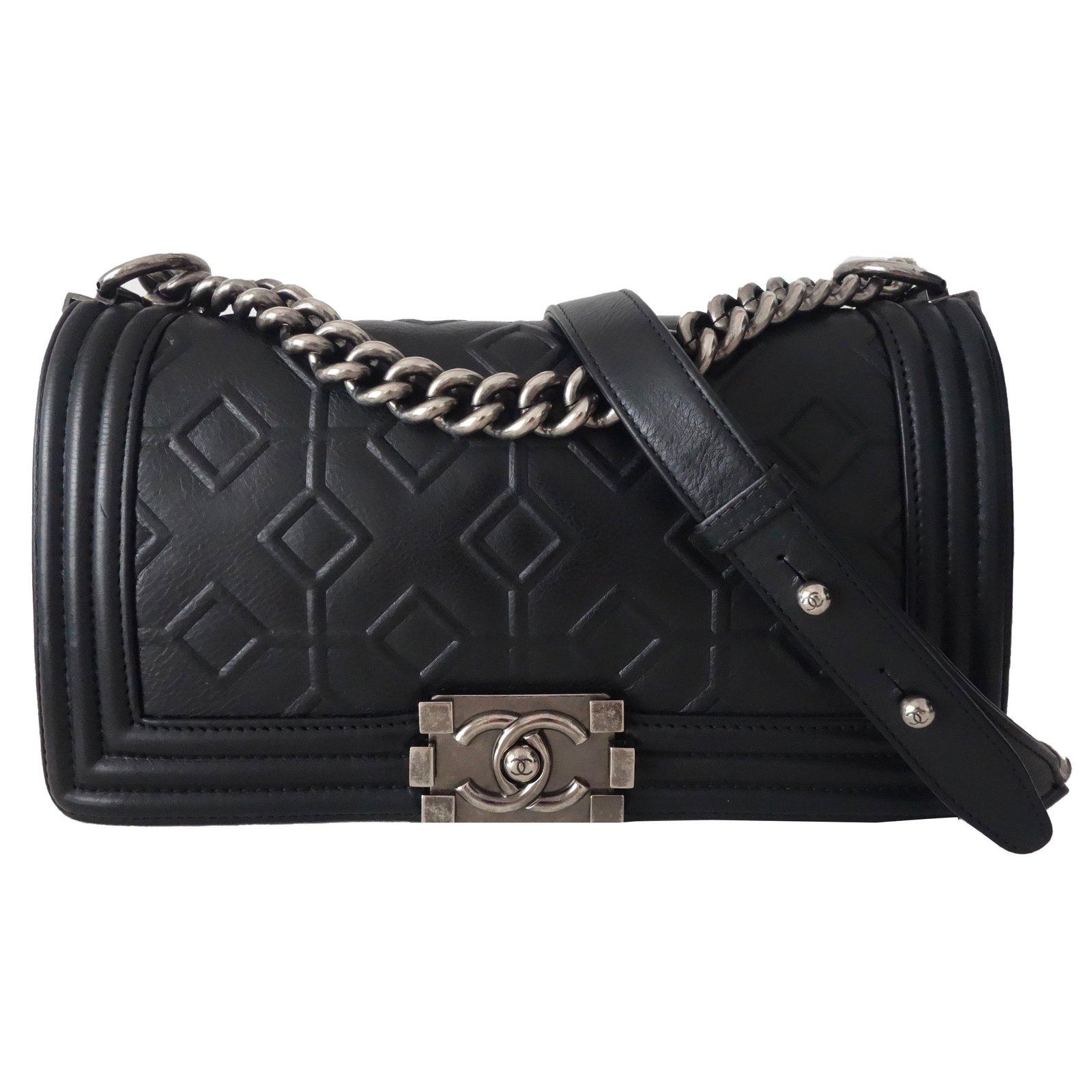 sacs main chanel sac chanel boy cuir noir cuir noir joli closet. Black Bedroom Furniture Sets. Home Design Ideas