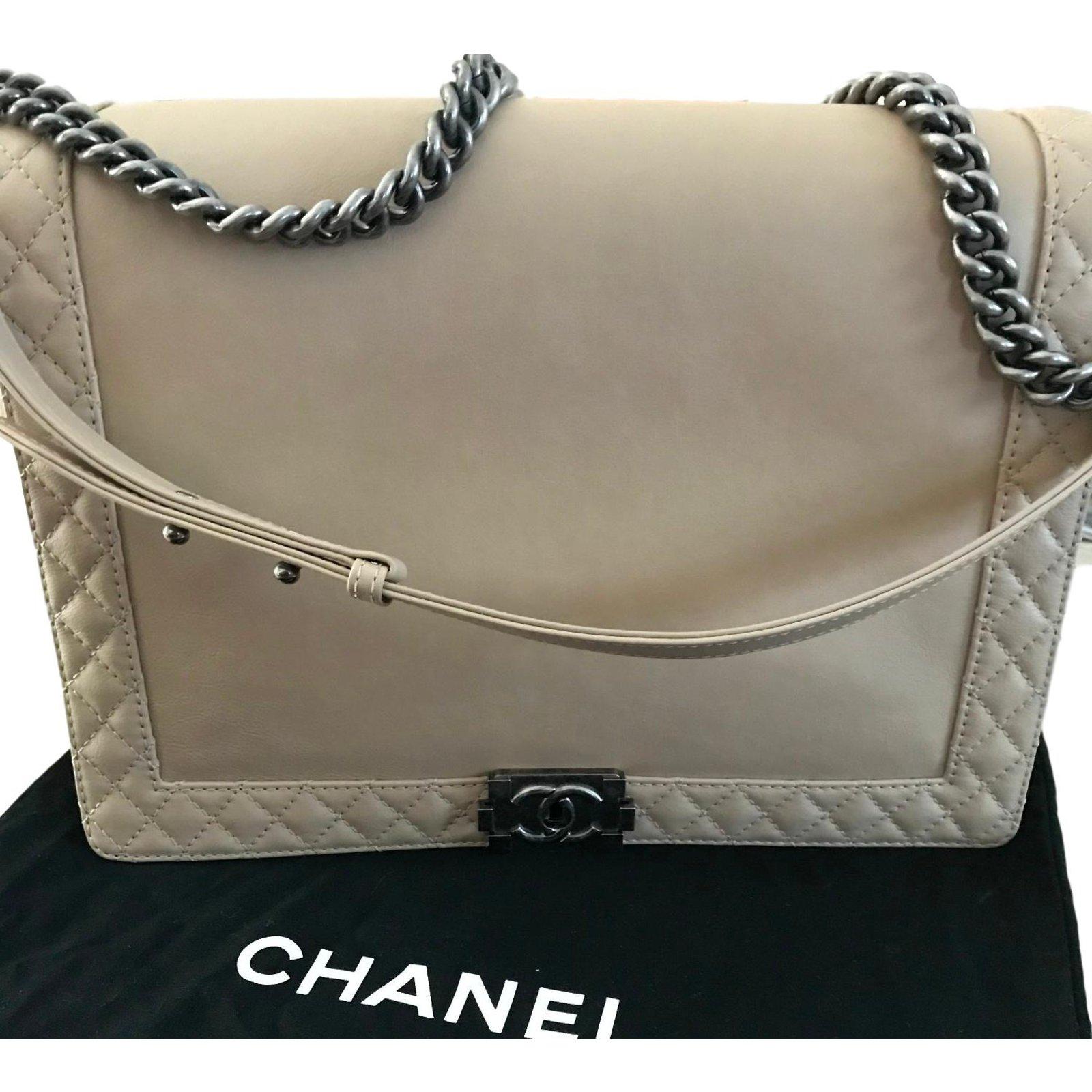 0454485f4289 Chanel Chanel Le Boy GM / XL Handbags Leather Beige ref.57770 - Joli ...