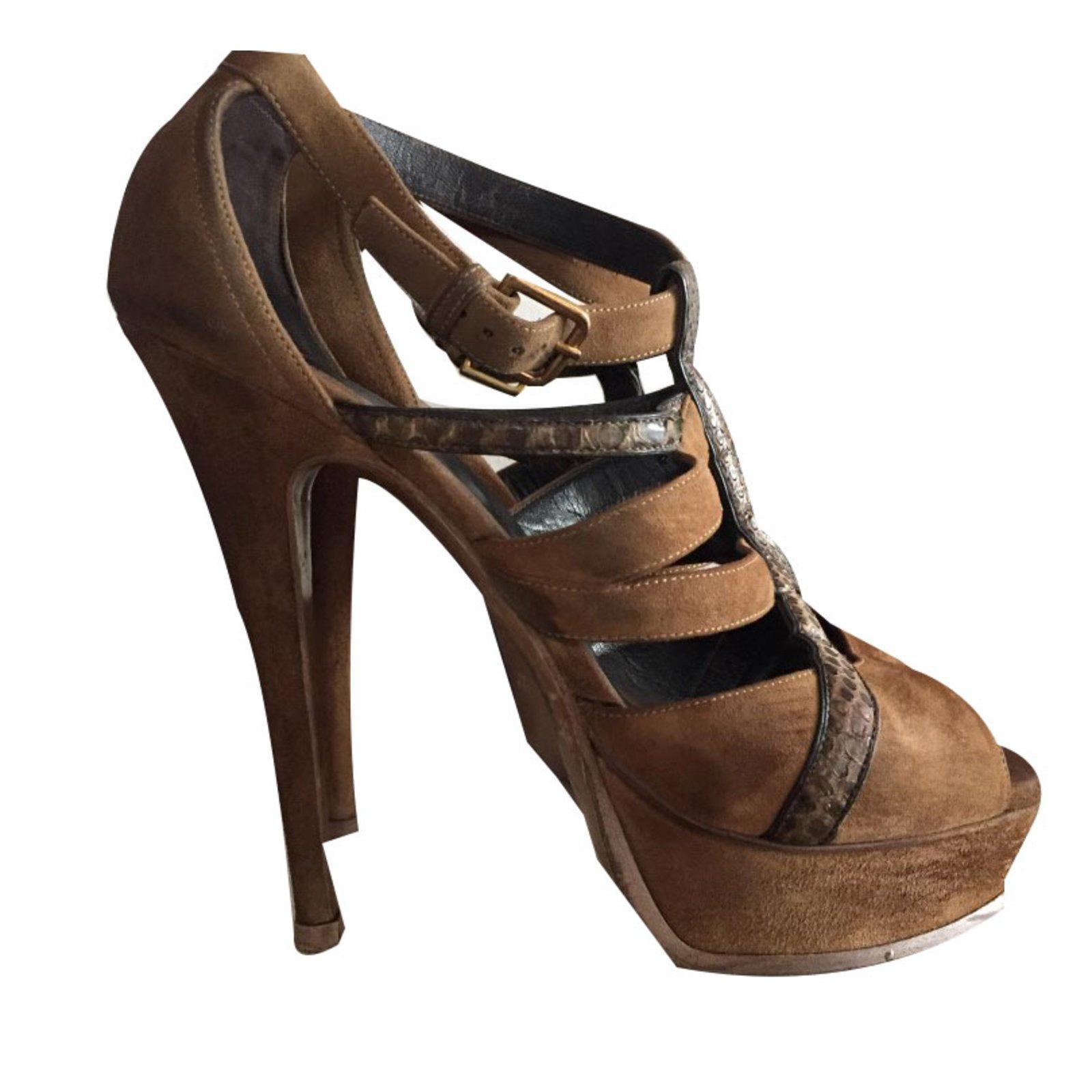 cc76cebb9df Yves Saint Laurent Sandals Sandals Suede Brown ref.59106 - Joli Closet