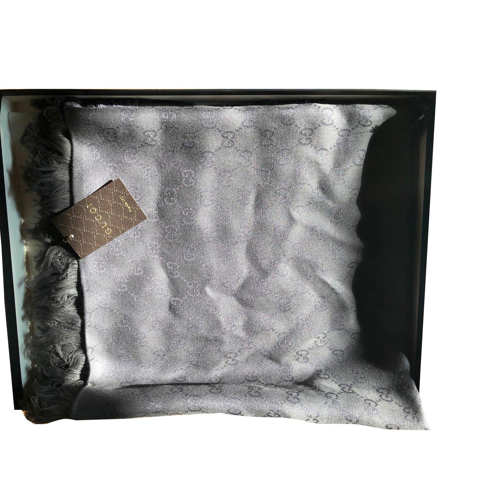style actuel joli design différemment Foulards Gucci Etole Gucci Coton Taupe ref.59171 - Joli Closet