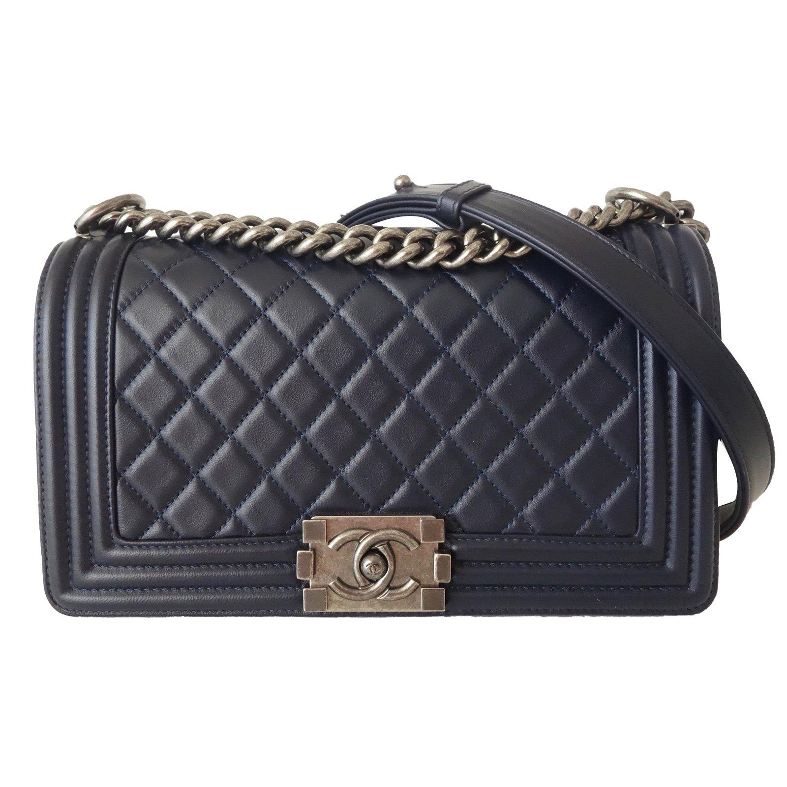9754fb5e7b76 Chanel BOY MEDIUM Handbags Leather Blue ref.59194 - Joli Closet