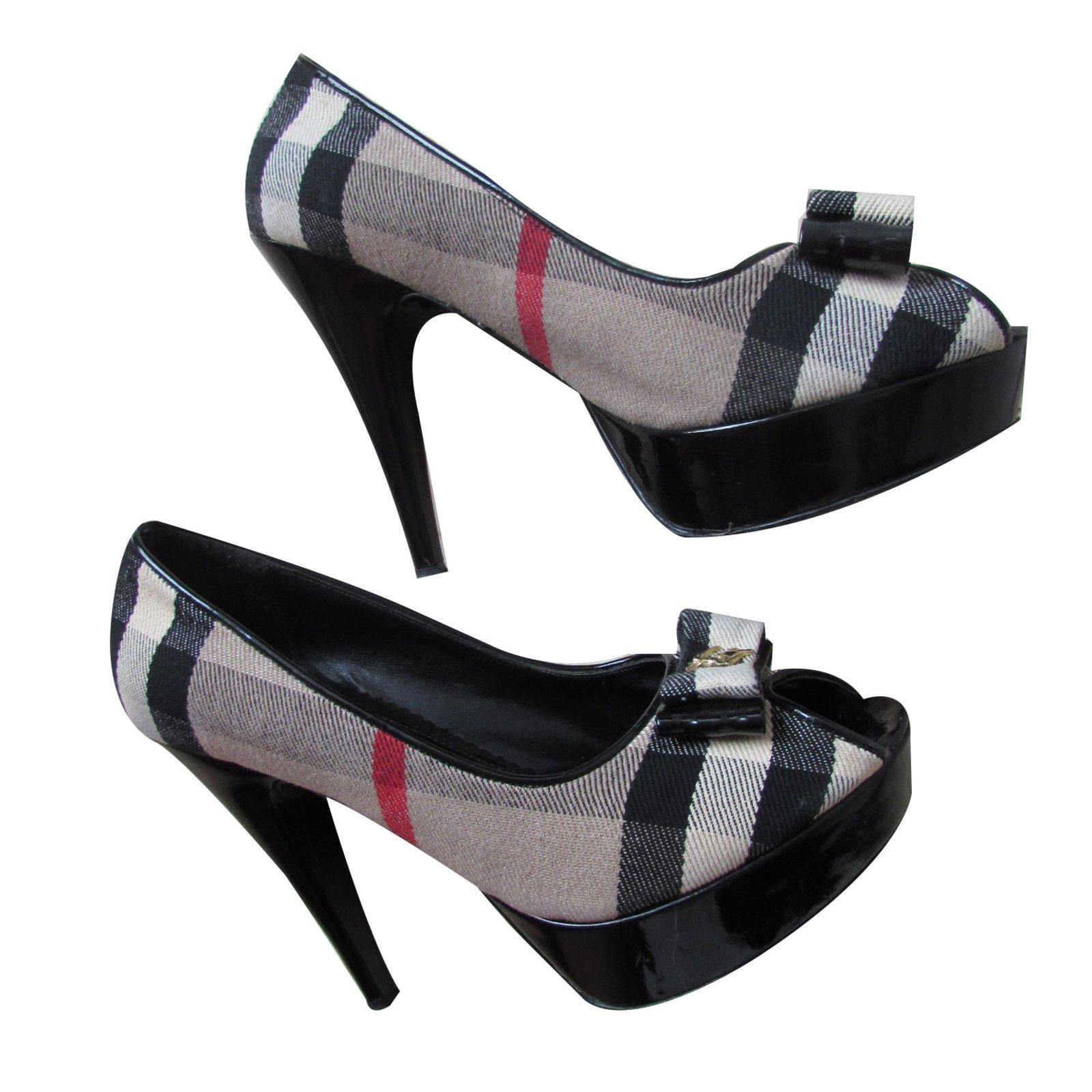 c8fd76794fa Burberry Heels Heels Patent leather