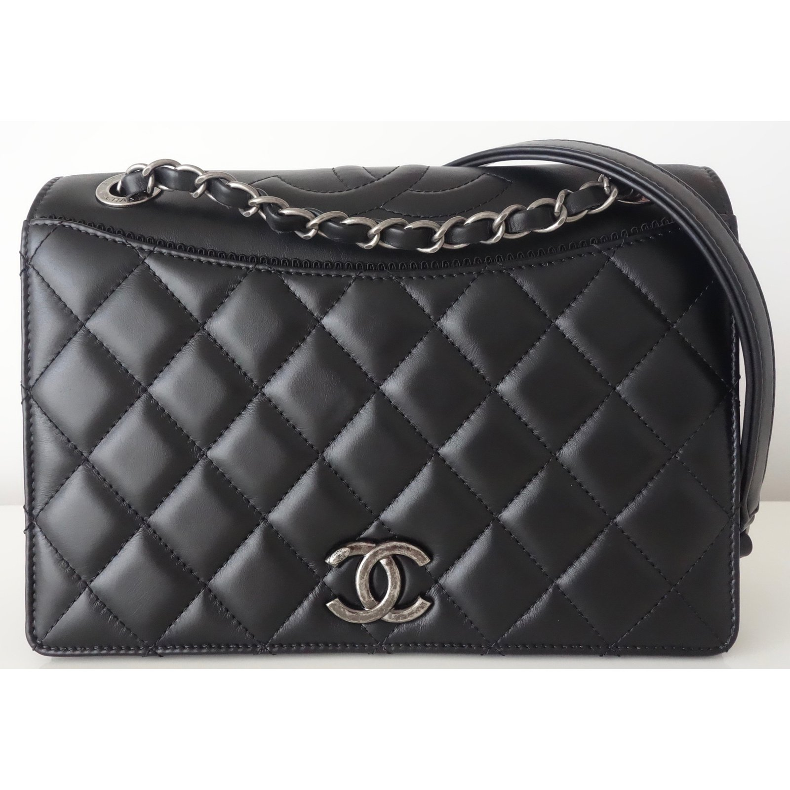 Chanel Handbags Leather Black Ref 62990