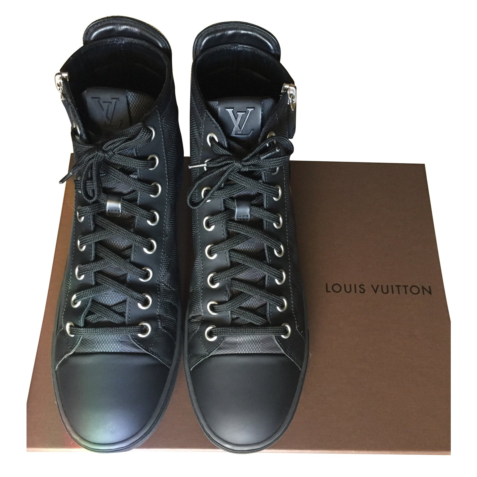 Louis Vuitton Sneakers Sneakers Leather Black ref.63142 - Joli Closet c66672da720