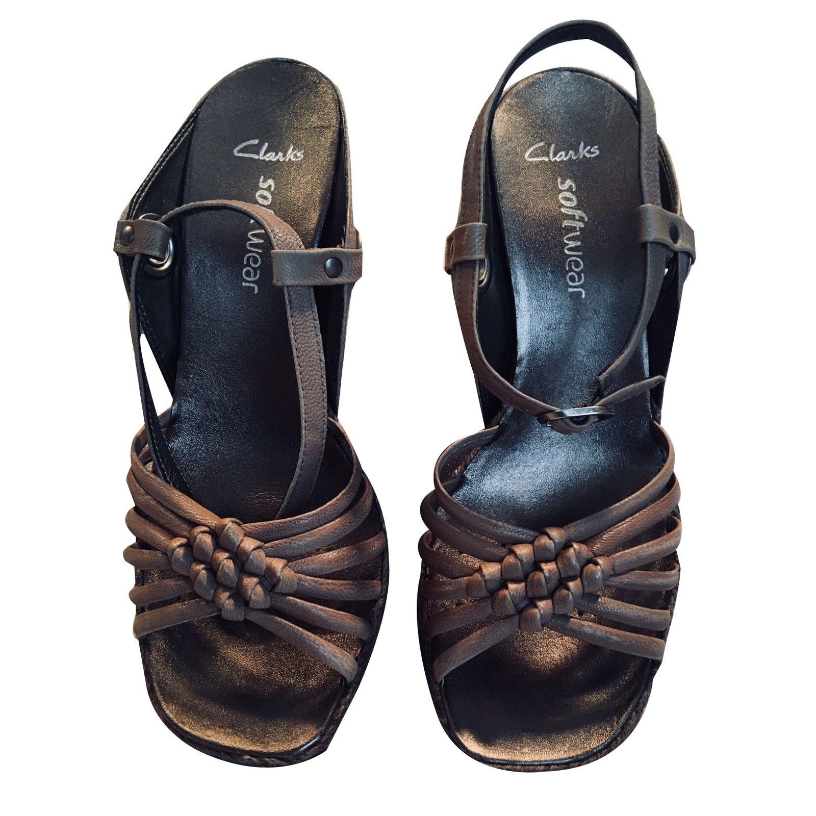 ankommen klassische Stile online zum Verkauf Clarks SOFTWEAR Sandals Leather Beige ref.64272 - Joli Closet