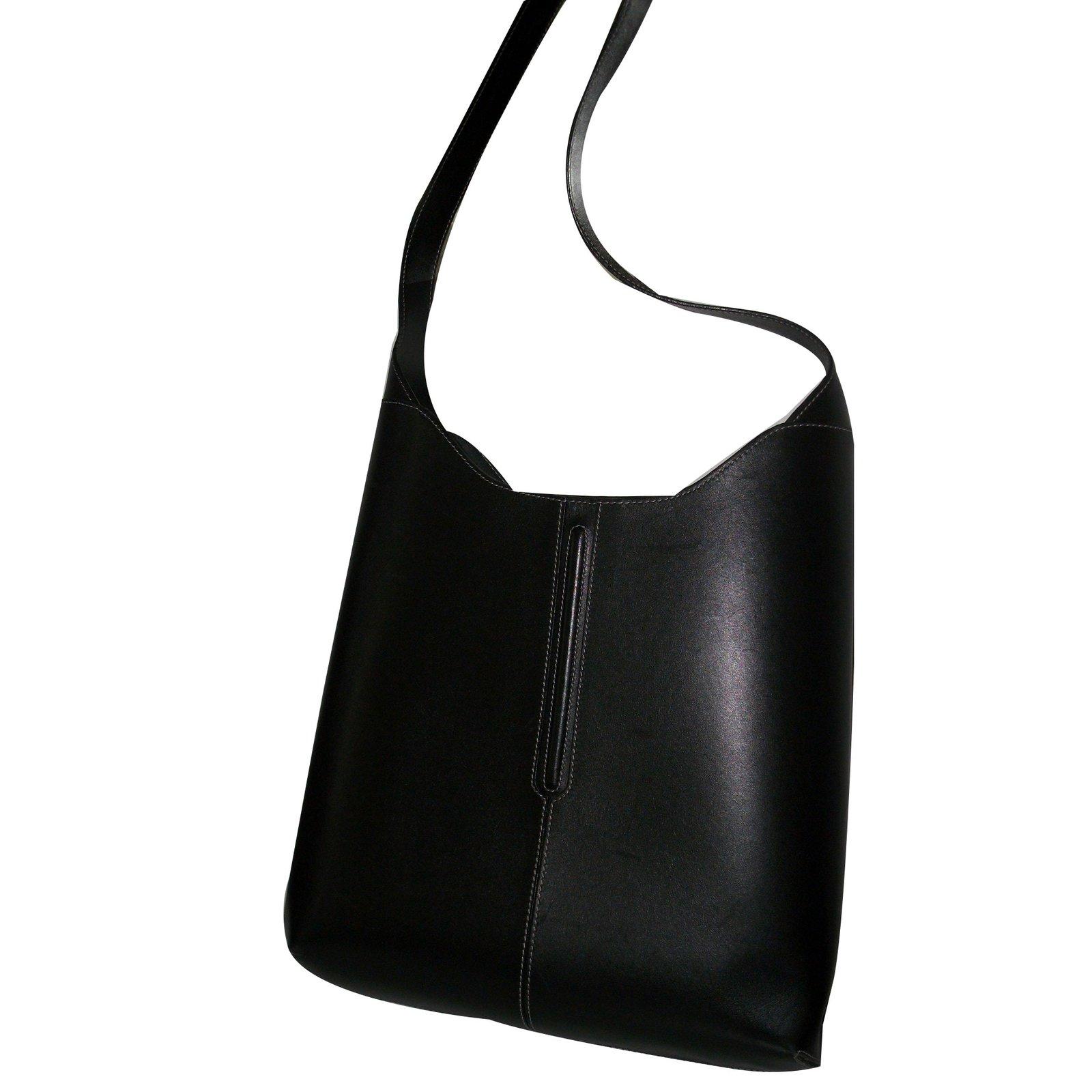04302b0dc23c Lancel Handbags Handbags Leather Black ref.65715 - Joli Closet
