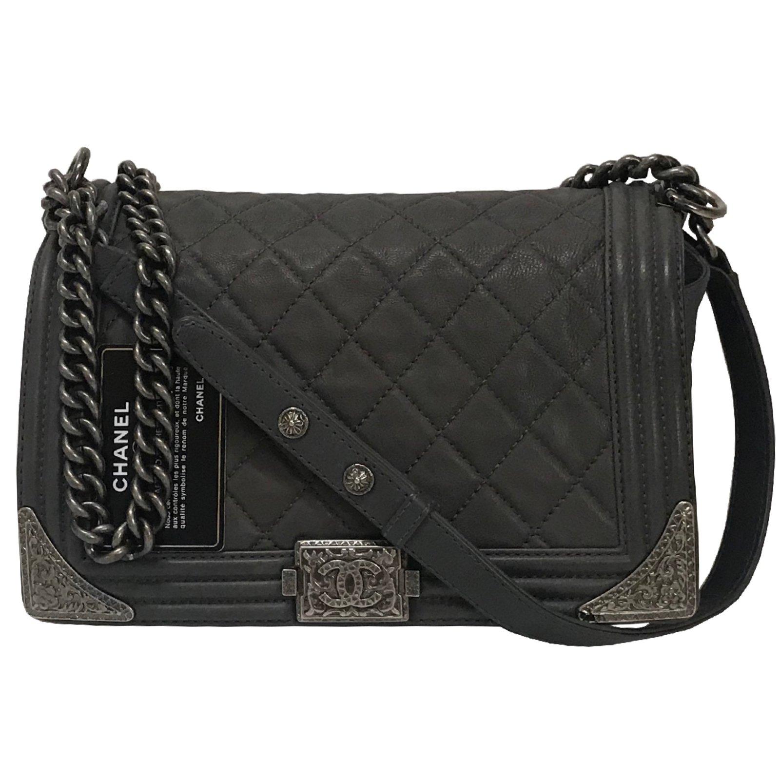 b7872a54459c Chanel Chanel Engraved Corners Boy Cowboy Flap Quilted Medium Bag Handbags  Leather Grey ref.66717