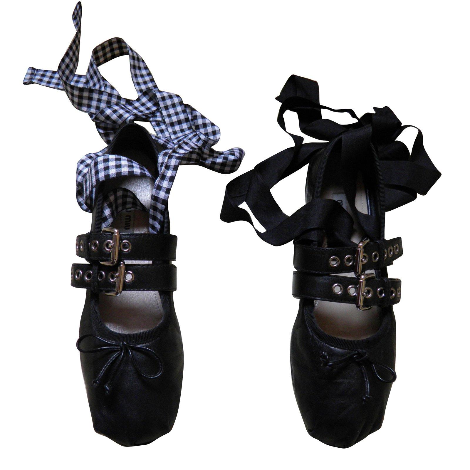 4deb500c24e Miu Miu Ballet flats Ballet flats Leather Black ref.67003 - Joli Closet