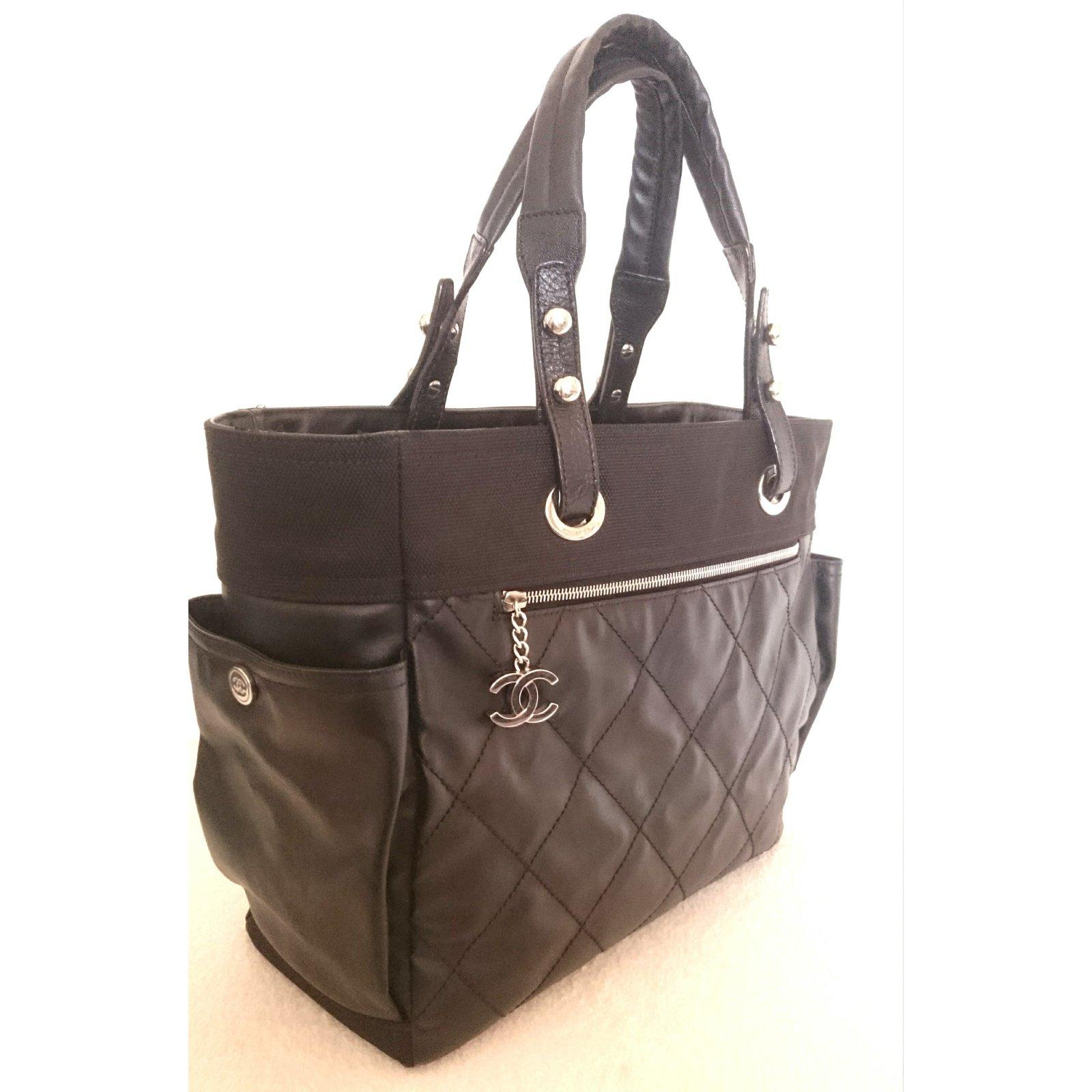 dc276464ce63dd Chanel Paris - Biarritz Totes Synthetic,Cloth Black ref.68174 - Joli ...