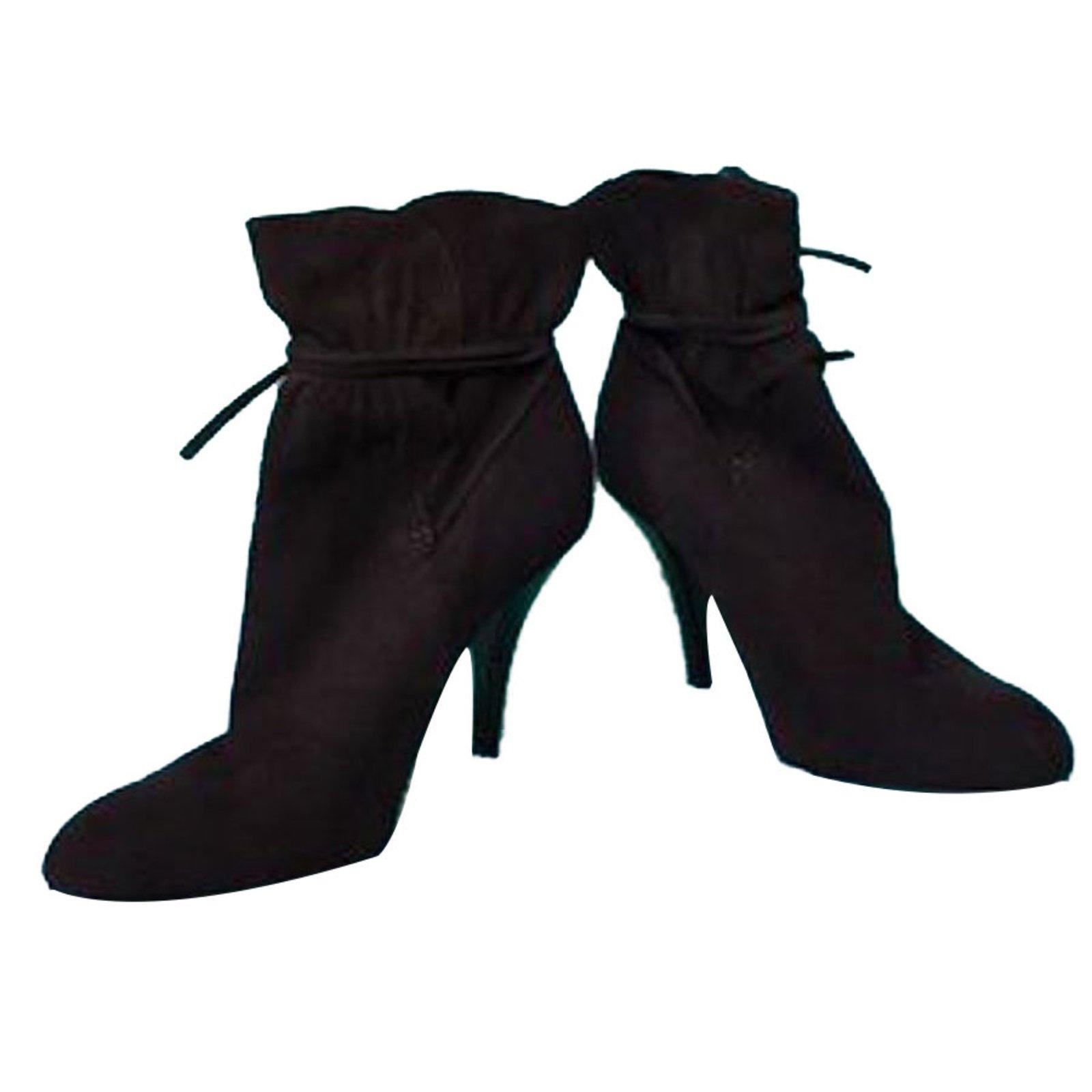 42962688ce2c Calvin Klein Boots Ankle Boots Suede Brown ref.69608 - Joli Closet