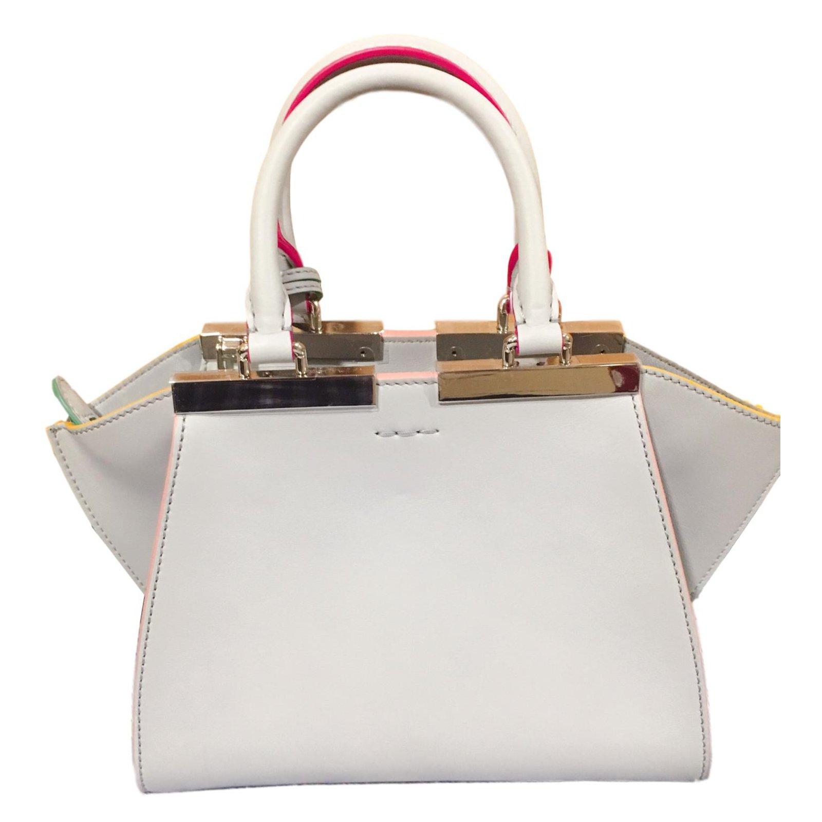 445108cad8a Fendi Handbags Handbags Leather Beige ref.71339 - Joli Closet