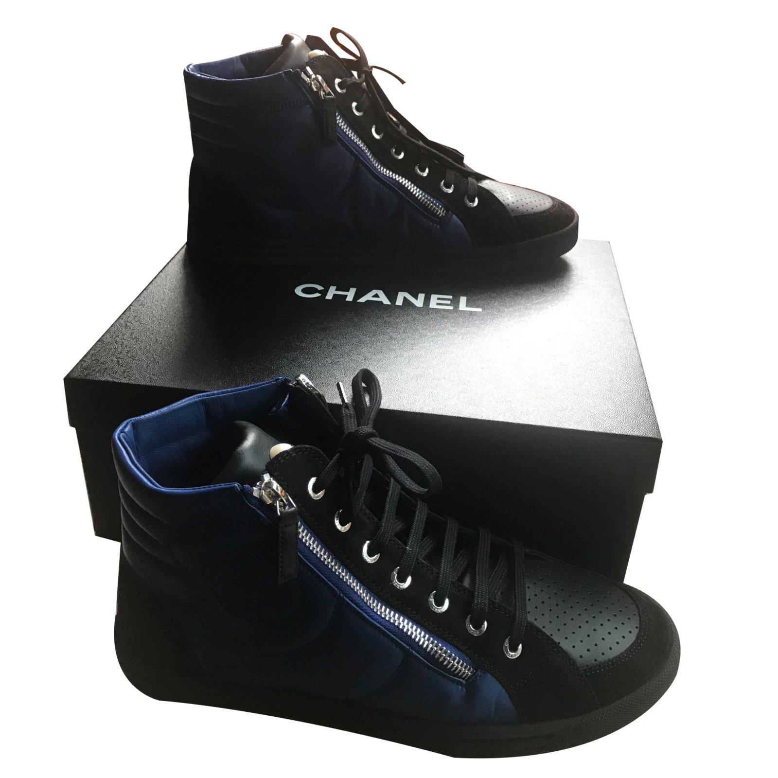a35d060ae2c8 Baskets homme Chanel Baskets homme Cuir Bleu ref.71374 - Joli Closet