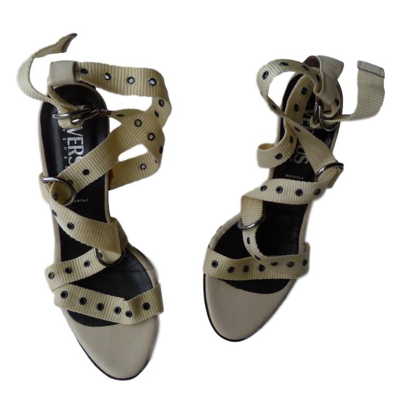 eaef6c2b5ae1b Sandales Versace Sandales Toile Noir,Beige ref.71704 - Joli Closet