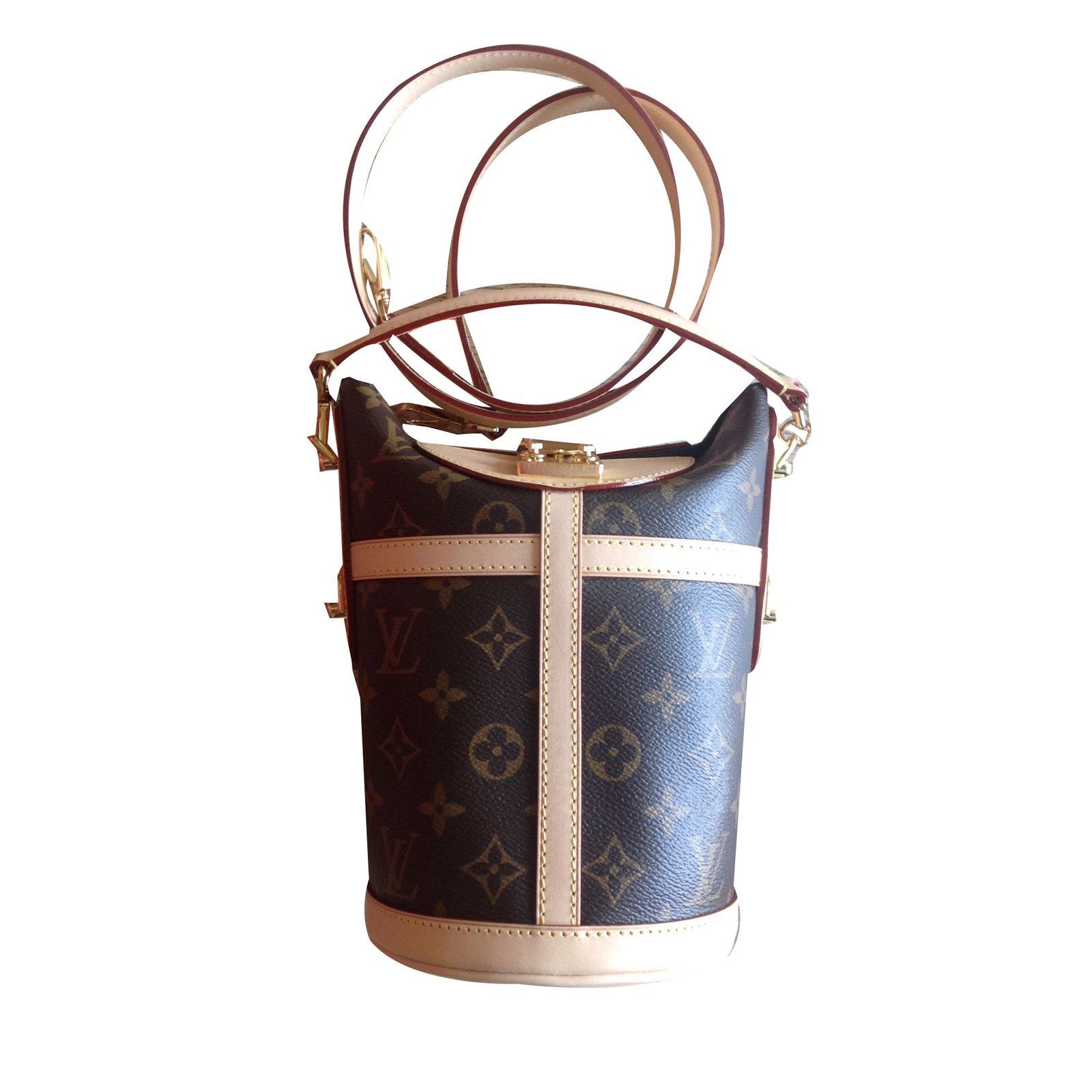 83deac2b31c9 Louis Vuitton Duffle Handbags Leather Brown ref.72291 - Joli Closet