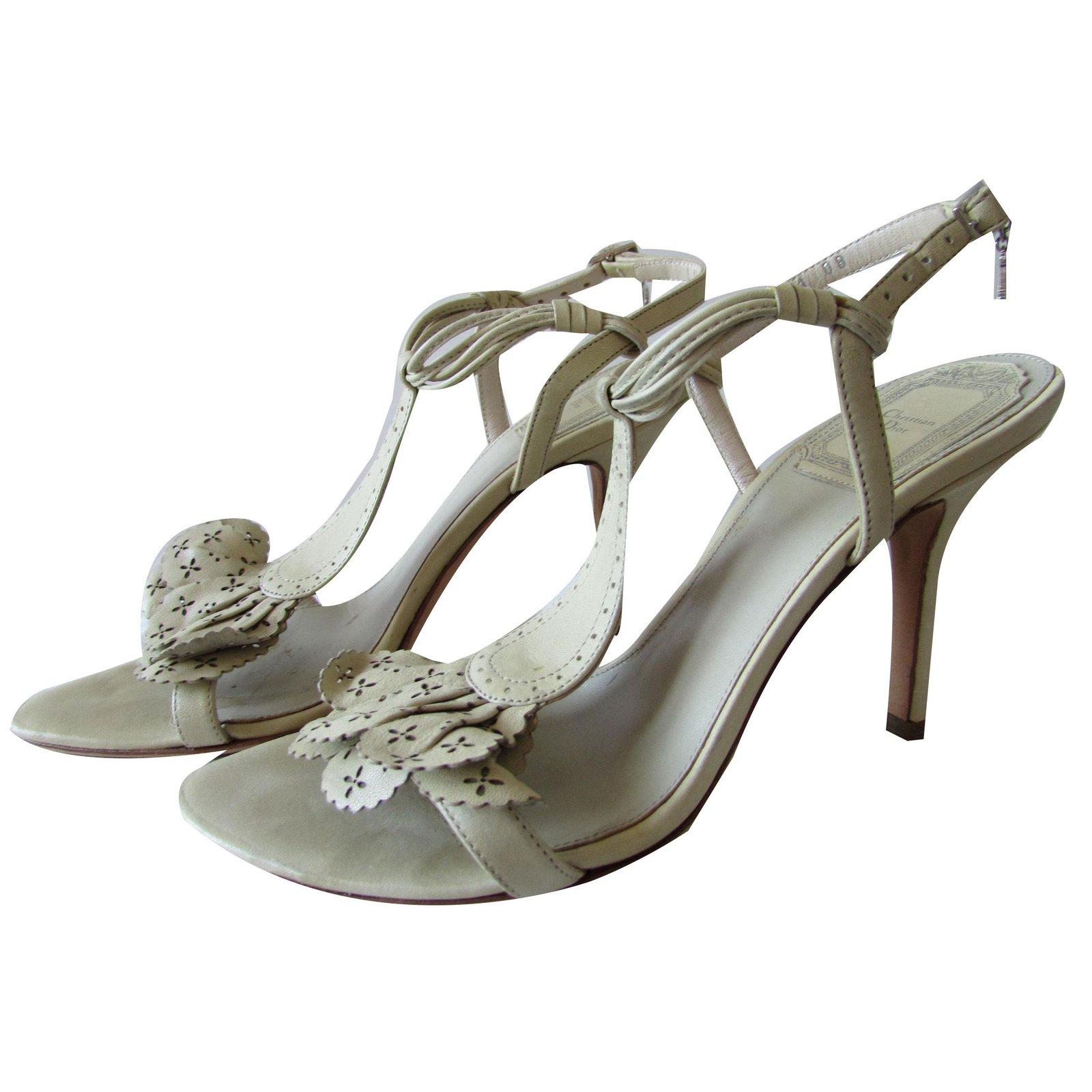 c2554ed23e6 Christian Dior Heels Heels Leather Beige ref.72899 - Joli Closet