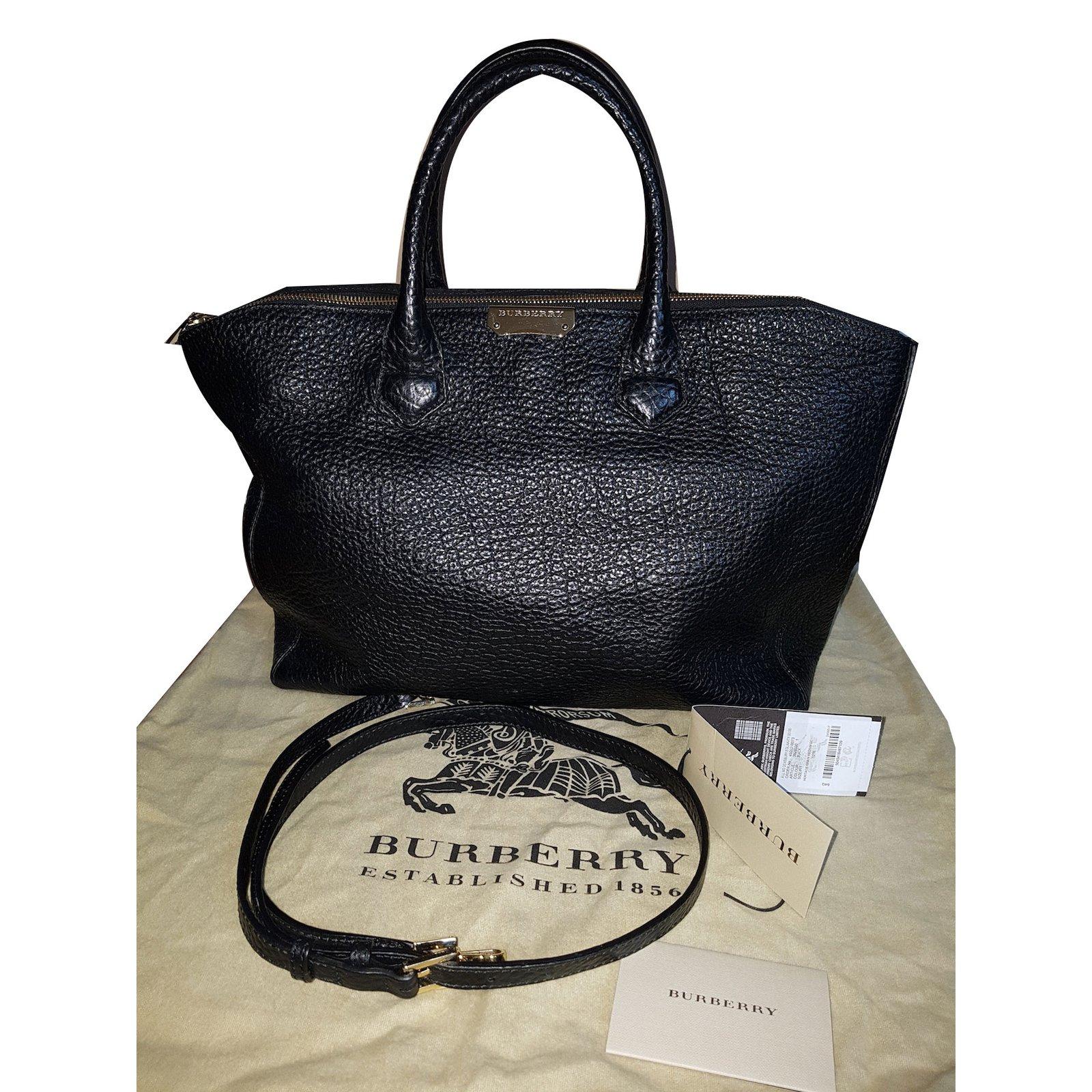 16b14e5a8b9 Burberry Tote Bag Handbags Leather Black ref.73339 - Joli Closet
