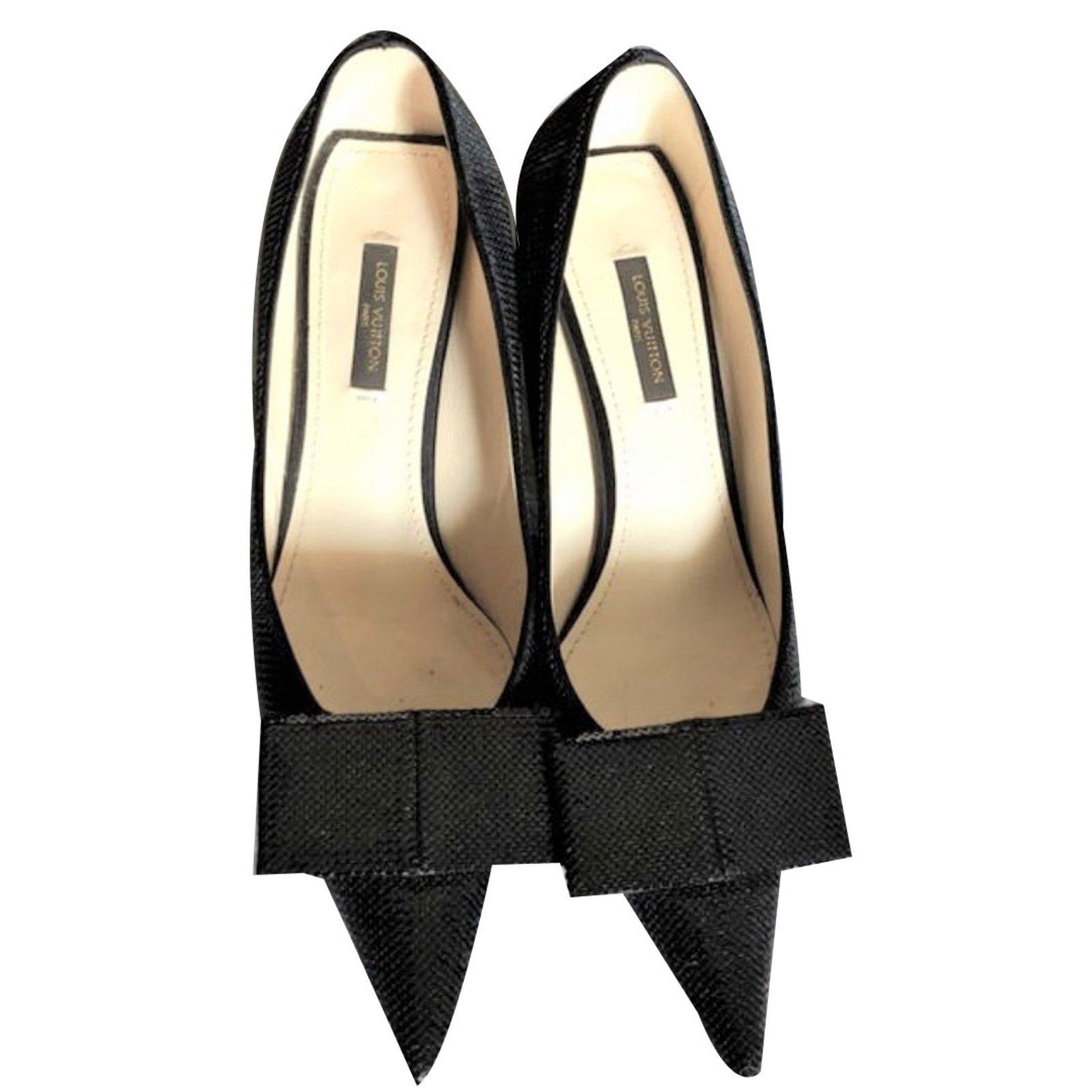 fe0b009017 Louis Vuitton Louis Vuitton Black sequinned pumps shoes EU 37 Heels Metal  Black ref.74133