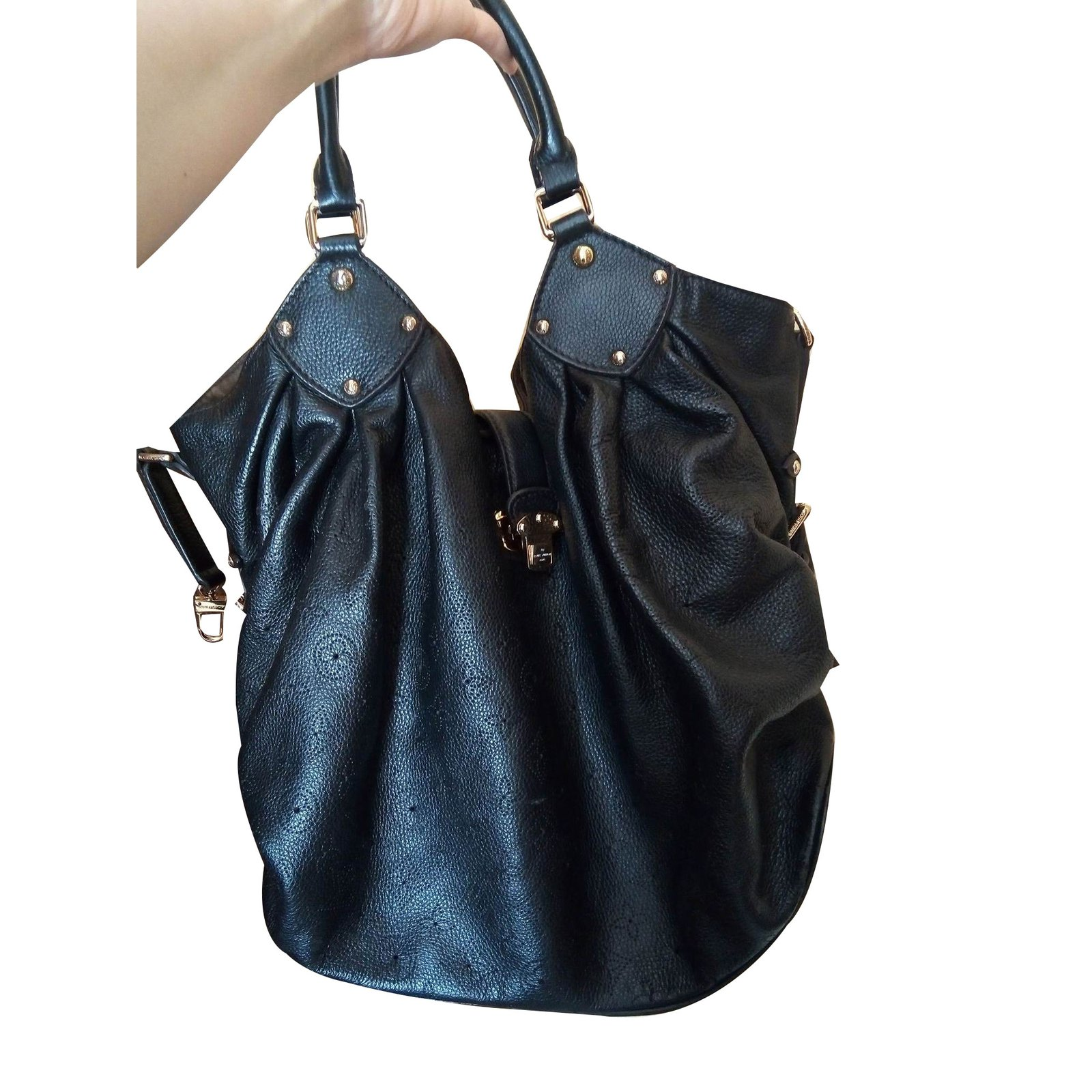 Louis Vuitton Mahina Handbags Leather Black Ref 75183