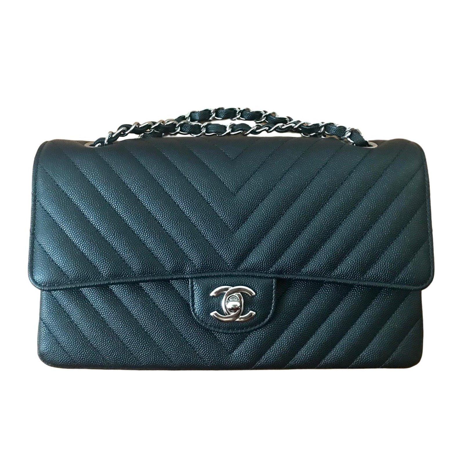 Chanel Handbags Leather Black Ref 76627