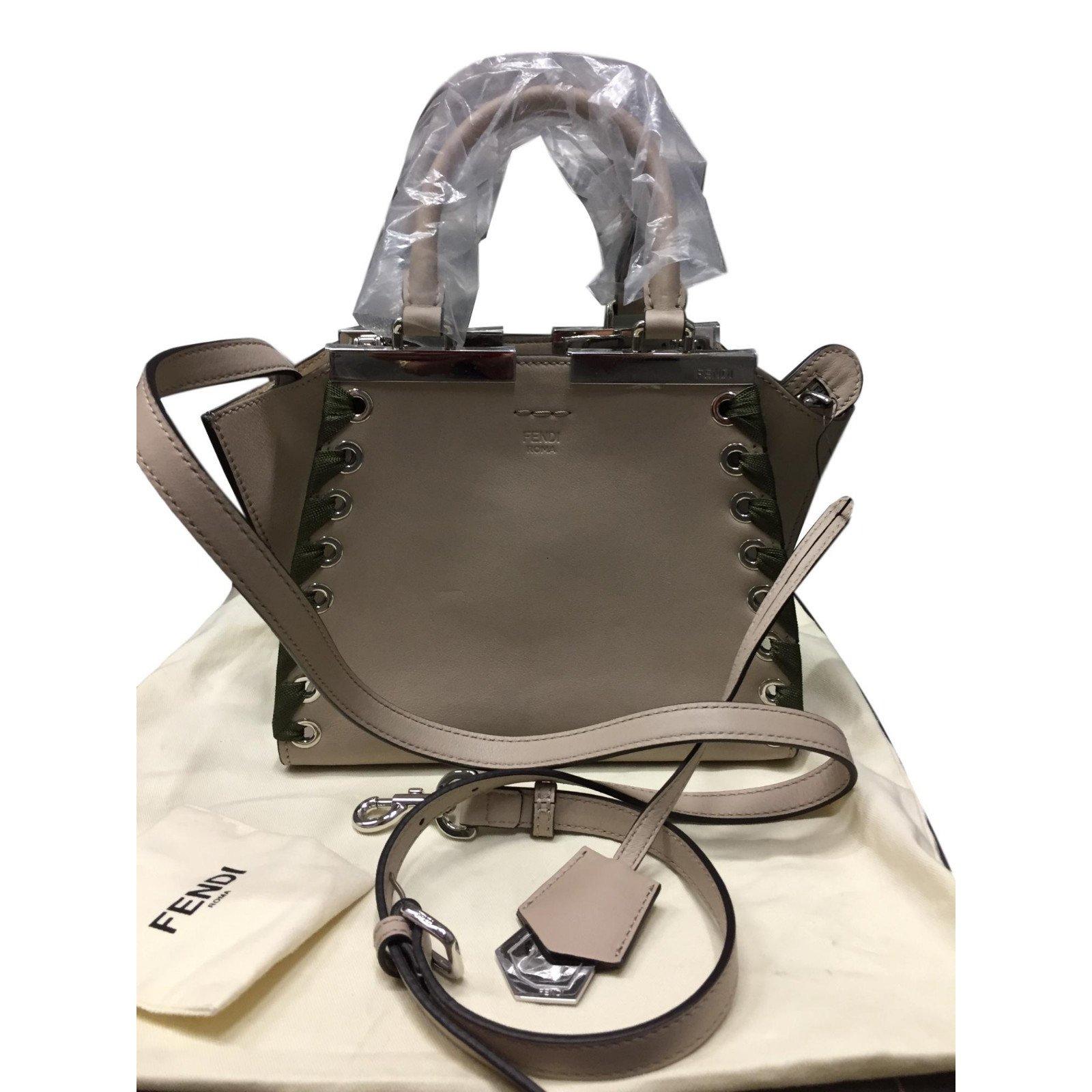 Fendi 3 jour Handbags Leather Beige ref.78511 - Joli Closet b81aaf1c1885f