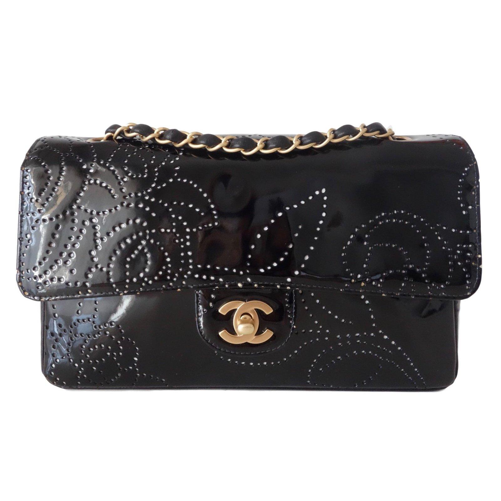 Sacs à main Chanel SAC CLASSIQUE CAMELIA Cuir vernis Noir ref.79968 . 6dd2ae3ab07