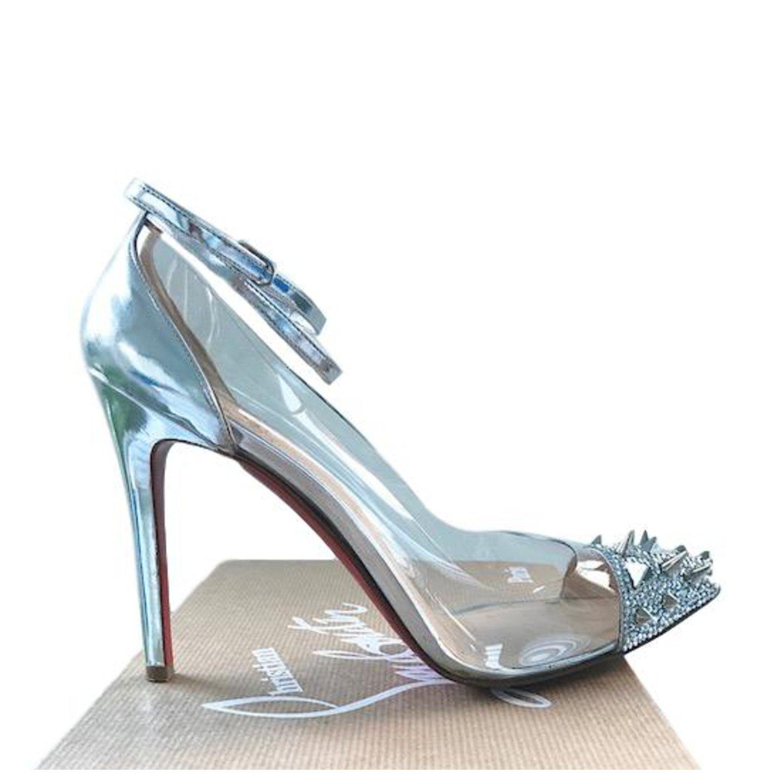 a3975954f7a Christian Louboutin Heels Heels Leather Silvery ref.83107 - Joli Closet
