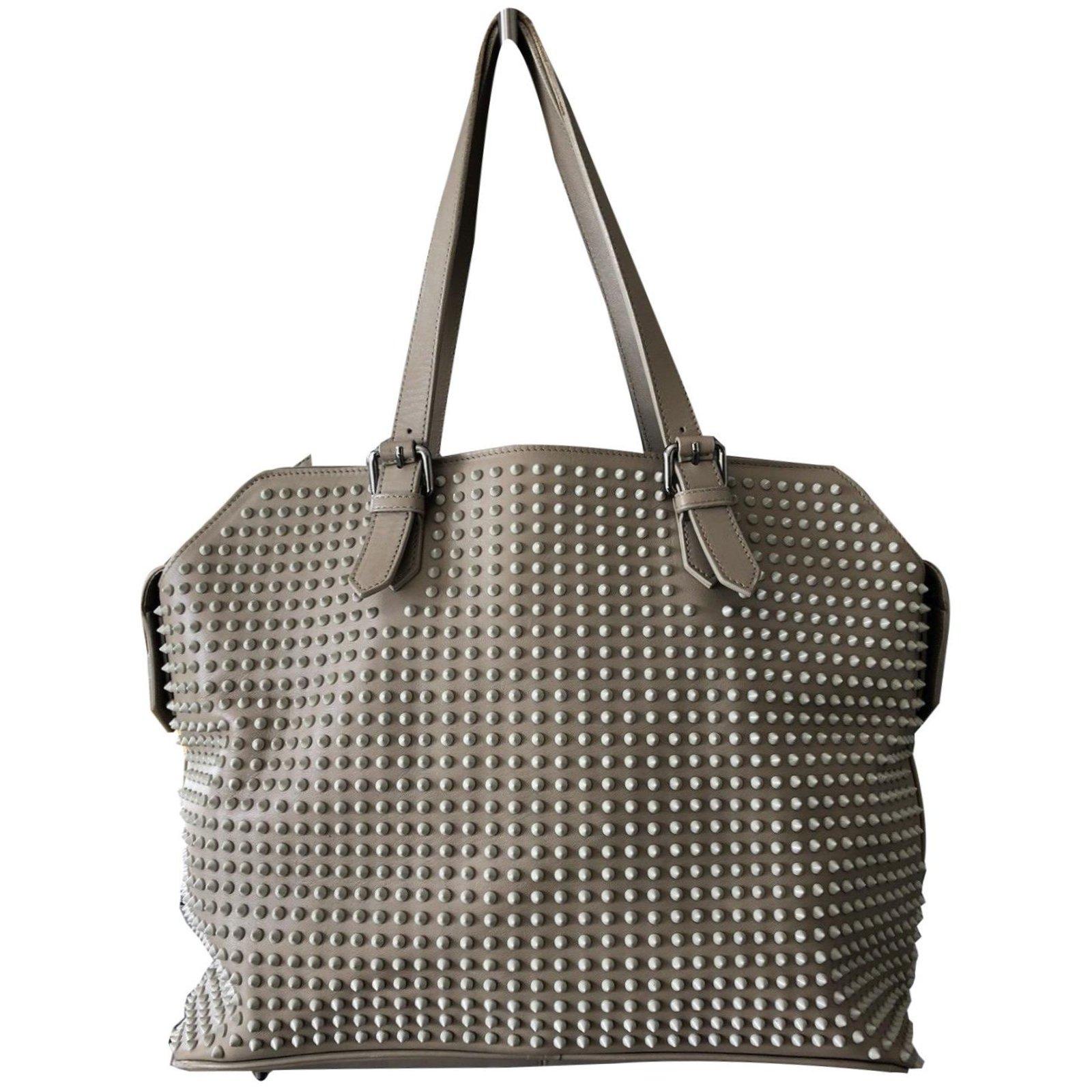87469dd5d28 Handbags