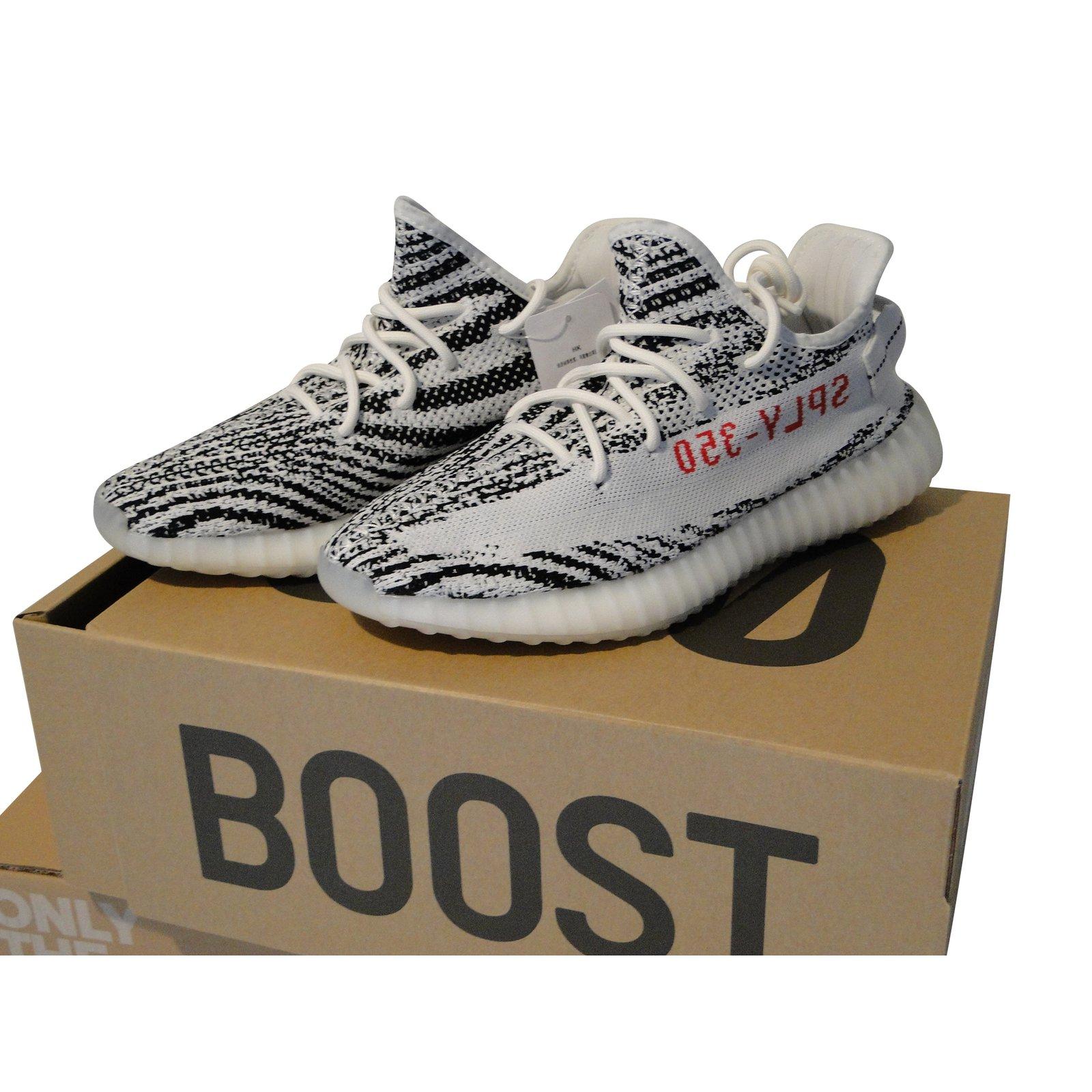adidas yeezy 350 boost 42