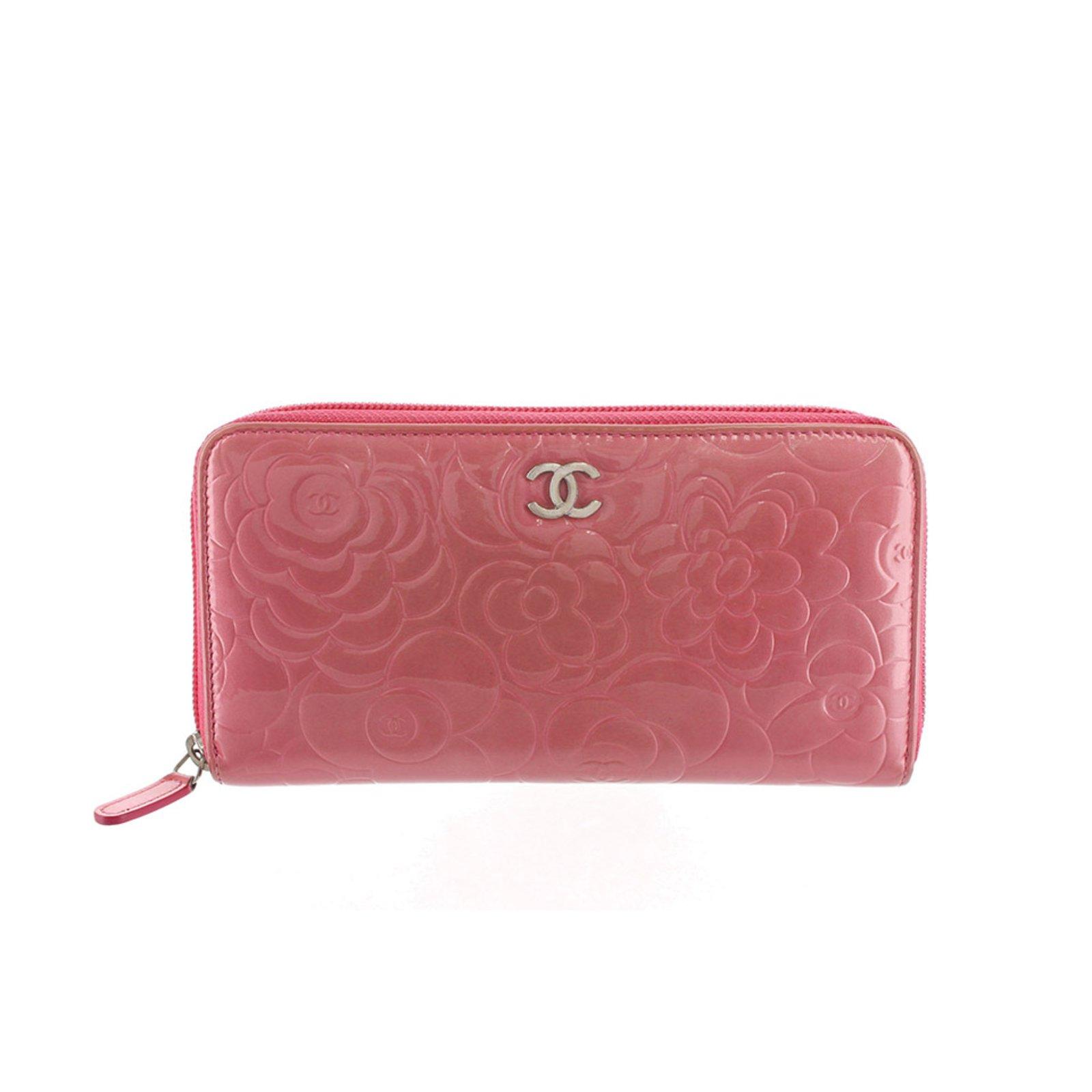 Petite maroquinerie Chanel Portefeuille en cuir verni camélia Cuir,Cuir  vernis Rose ref.89199 cdb1d63686d