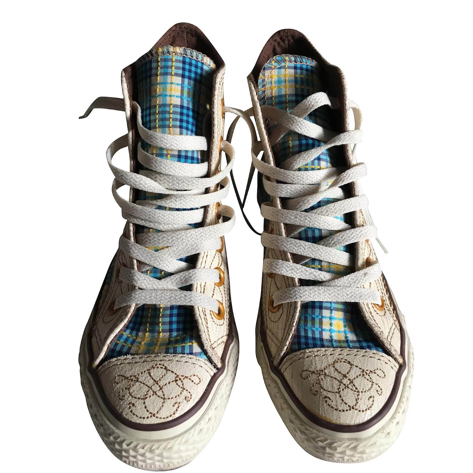 45902123c33 Converse Pair of Converse All Star Chuck Taylor High Special Edition  Sneakers Cotton White