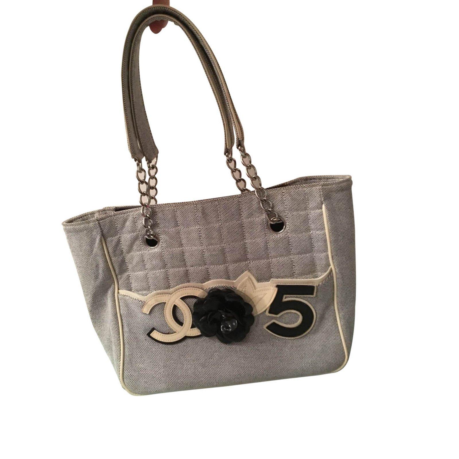 bb23e4a3c72e Chanel Handbags Handbags Cloth Multiple colors ref.99371 - Joli Closet