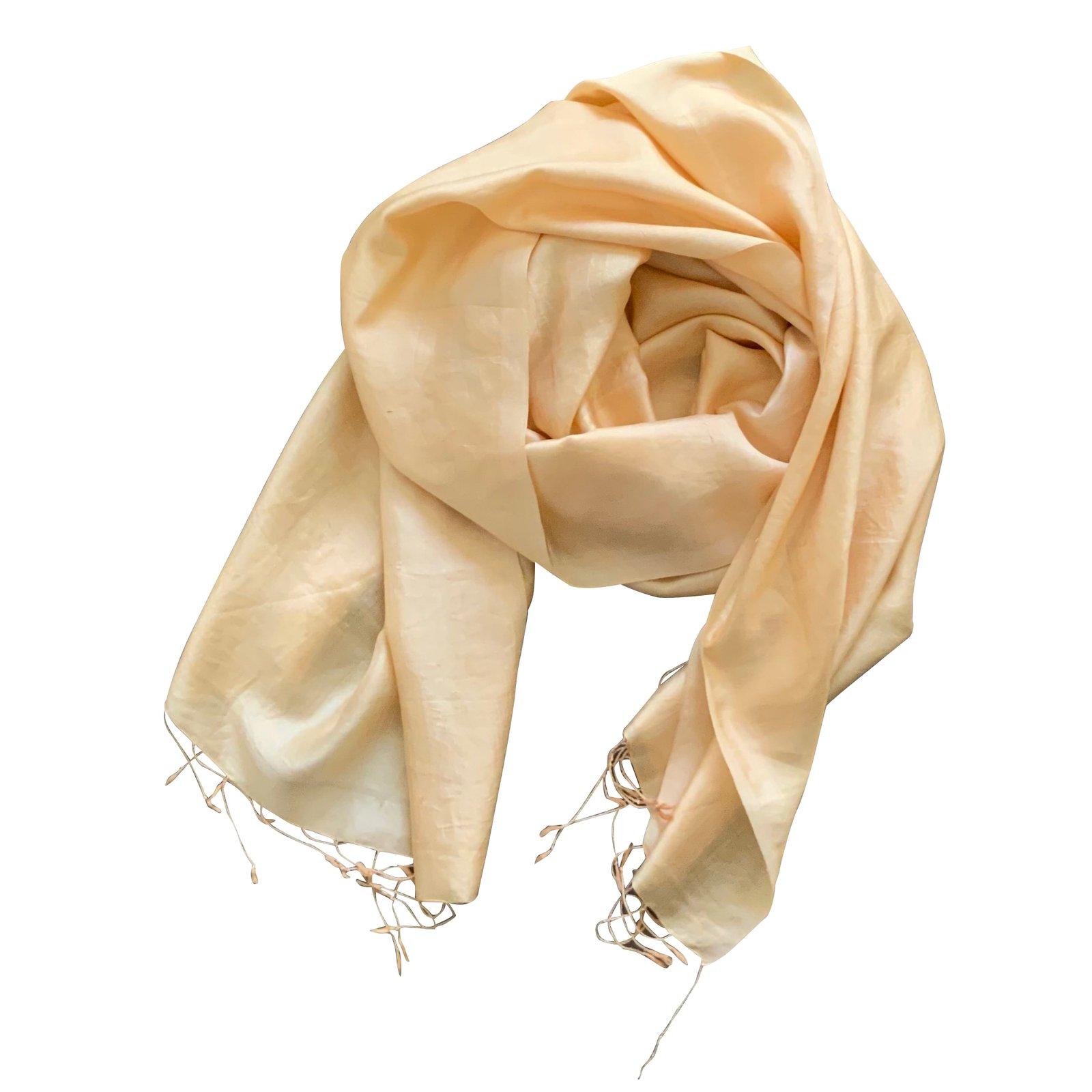 3b847ff3ab5 beautiful foulards autre marque etole soie sauvage or doux cm franges soie  dor with etole soie