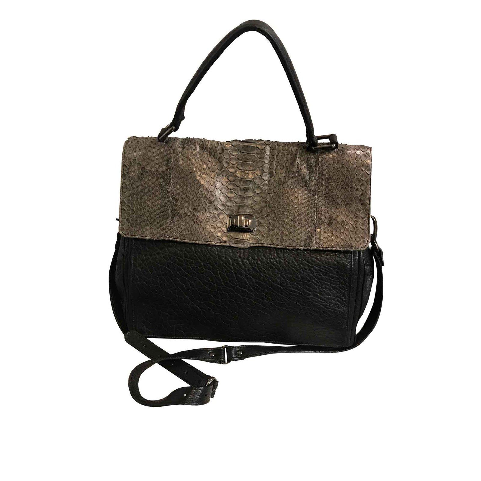 51eab7cdad80 Abaco LOU Handbags Leather Black ref.100560 - Joli Closet