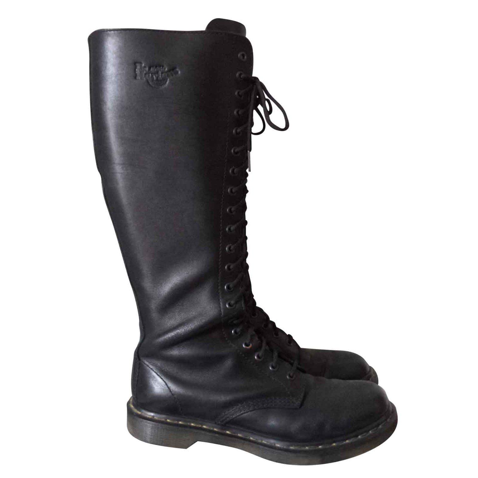f0c2b2c9979 Dr. Martens Ranger Boots Boots Leather Black ref.102007 - Joli Closet