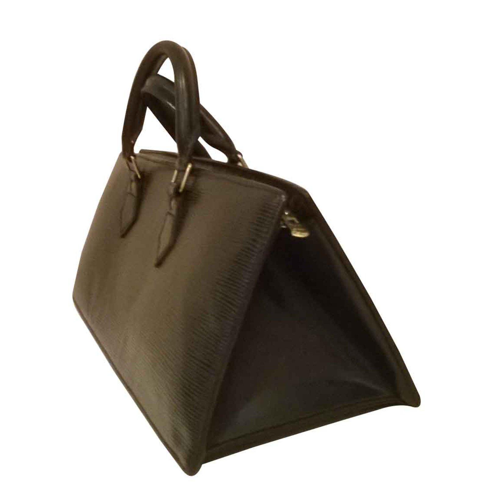 4da0e425701b Louis Vuitton handbag Handbags Leather Black ref.102999 - Joli Closet