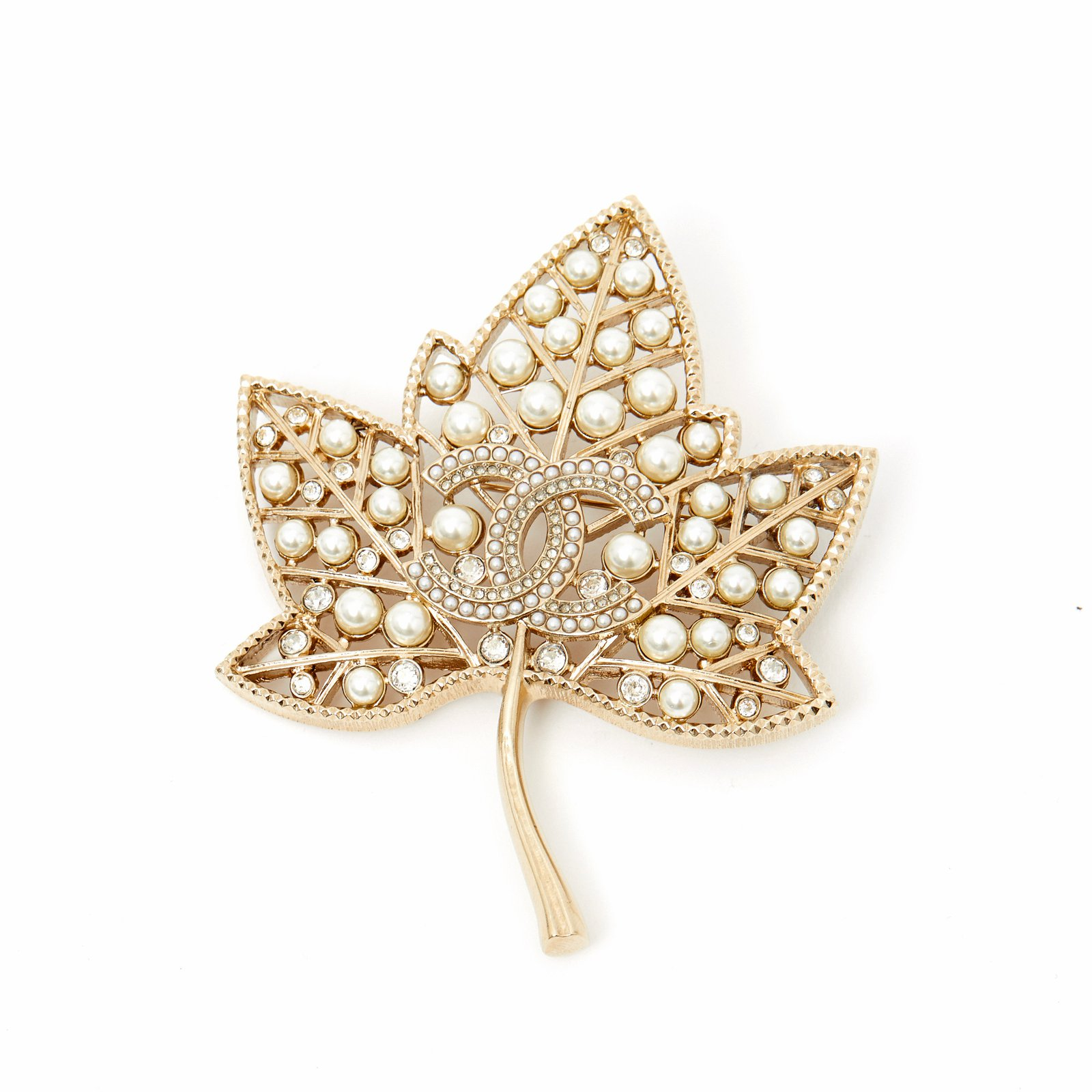 1621cd019 Chanel MAPLE LEAF 2019 Pins & brooches Metal Golden ref.107730 ...