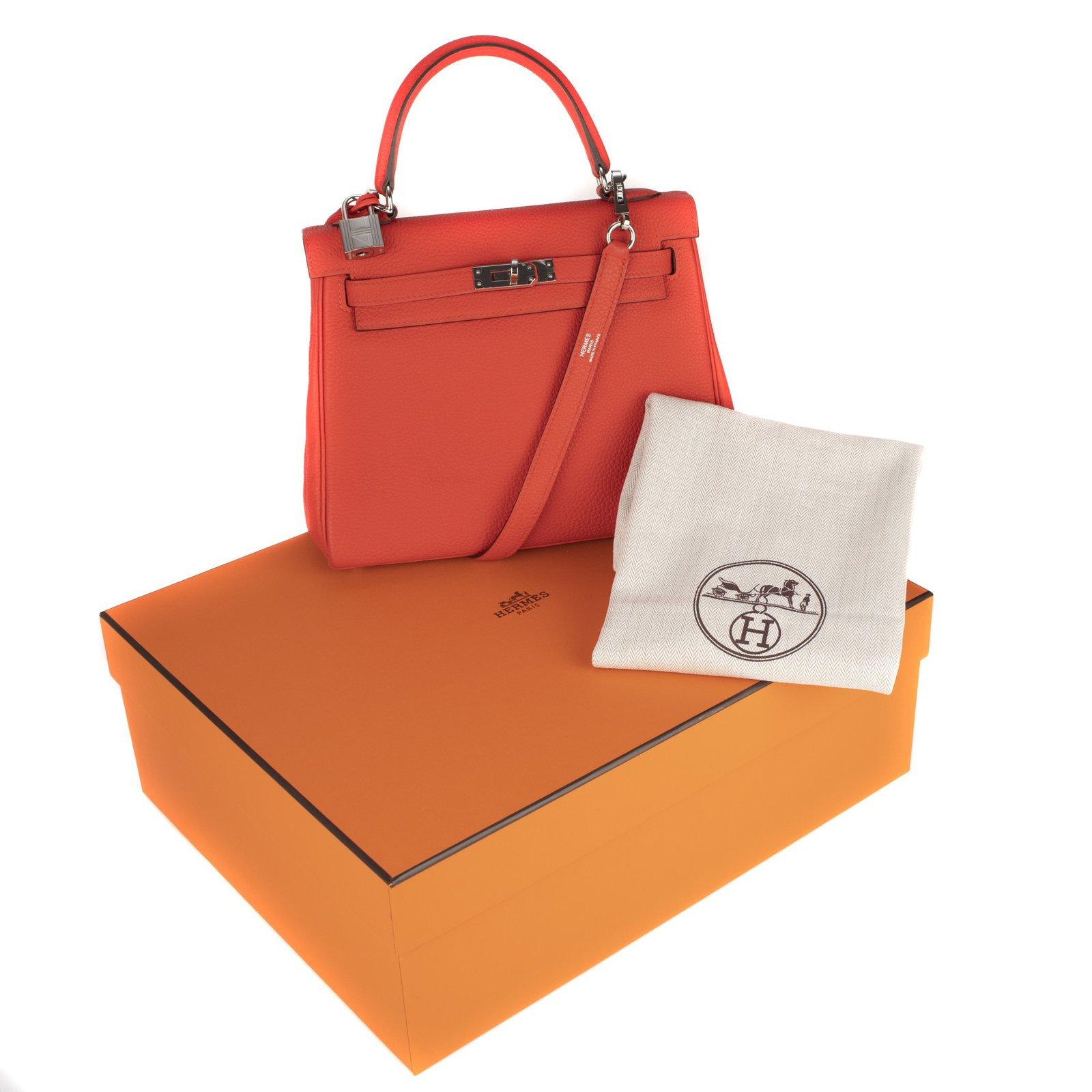 64f0b3e0dd4e Hermès Superb Hermes Kelly 25 Togo red leather