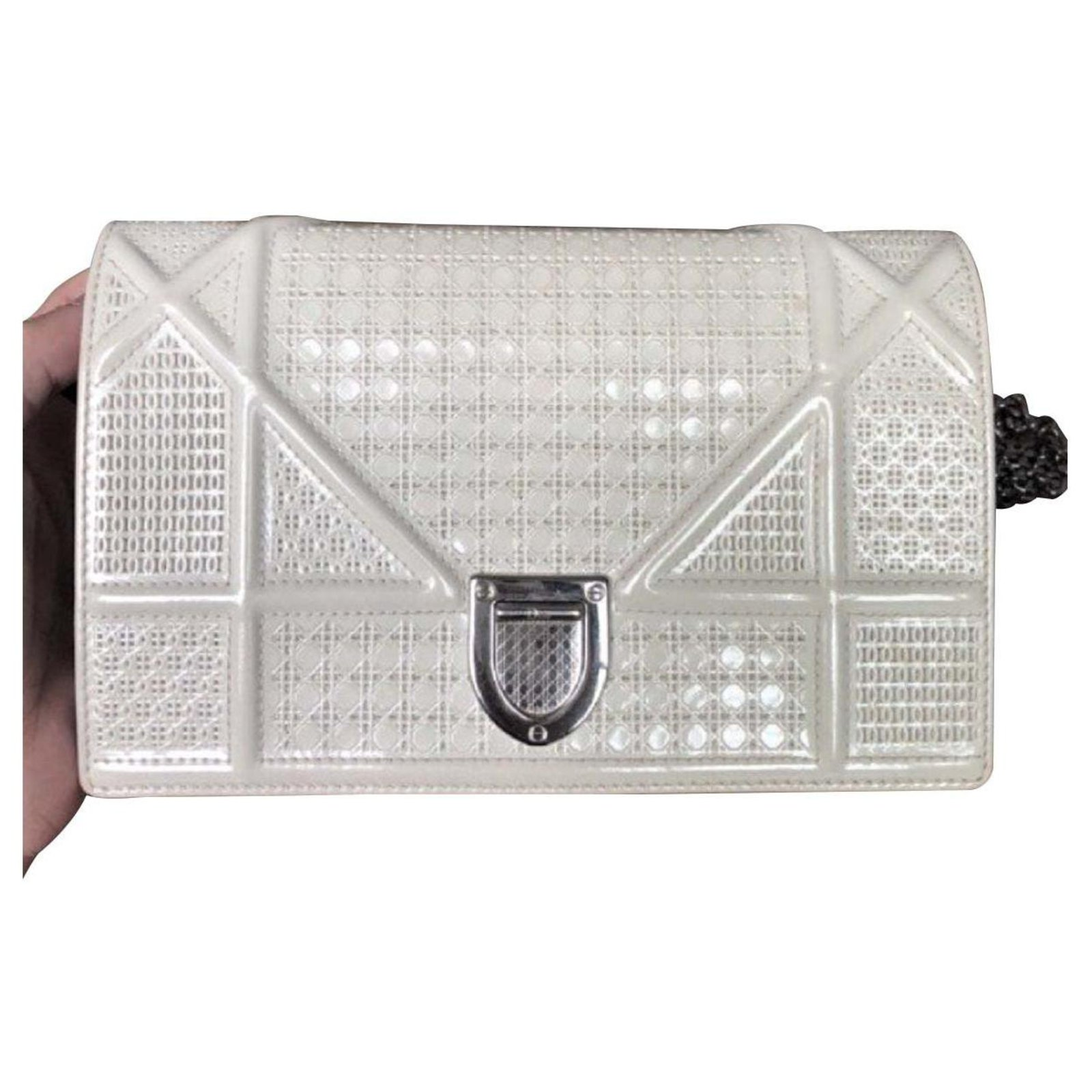 04be8dc8a0ad Dior Diorama bag in white patent leather Handbags Patent leather White  ref.114907