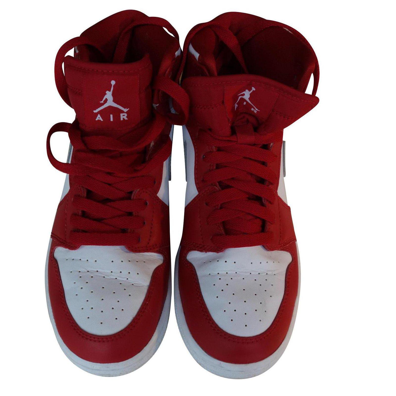 Nike Air Jordan 1 Retro High Red Leather ref.115184 - Joli Closet