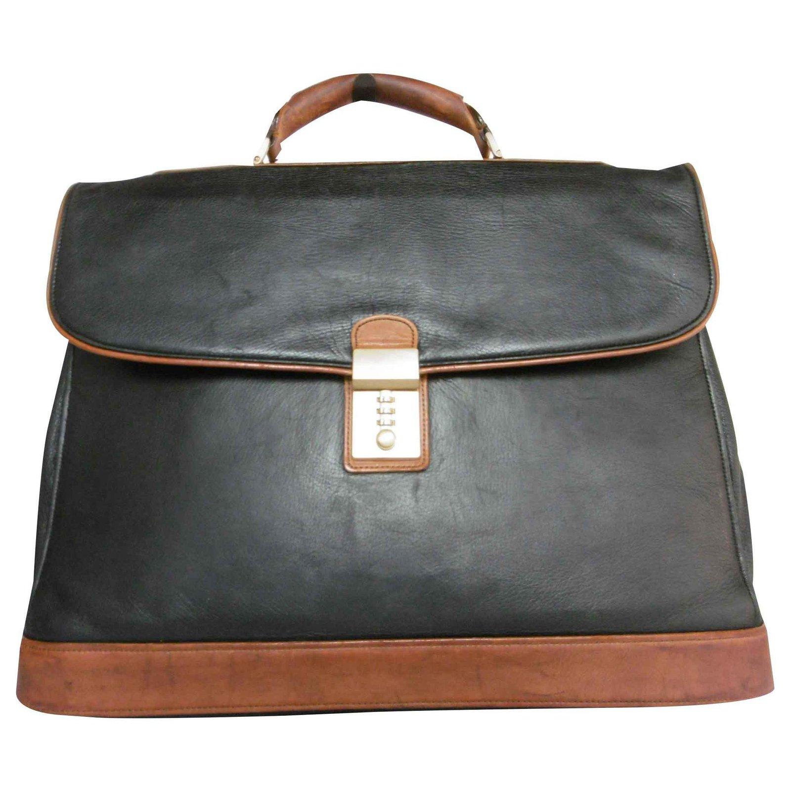 baskets pour pas cher ea437 b2b5e Porte-documents en cuir Balenciaga
