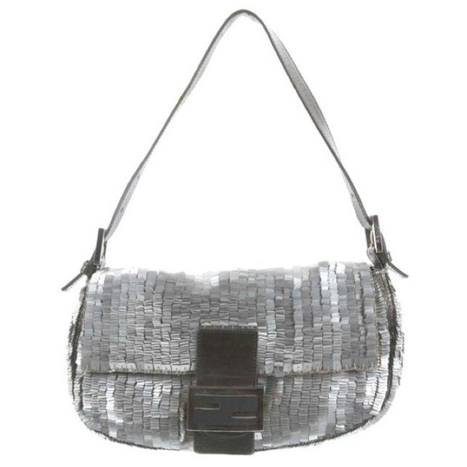 8b903b11df5a Fendi BAGUETTE Handbags Other Metallic ref.117985 - Joli Closet